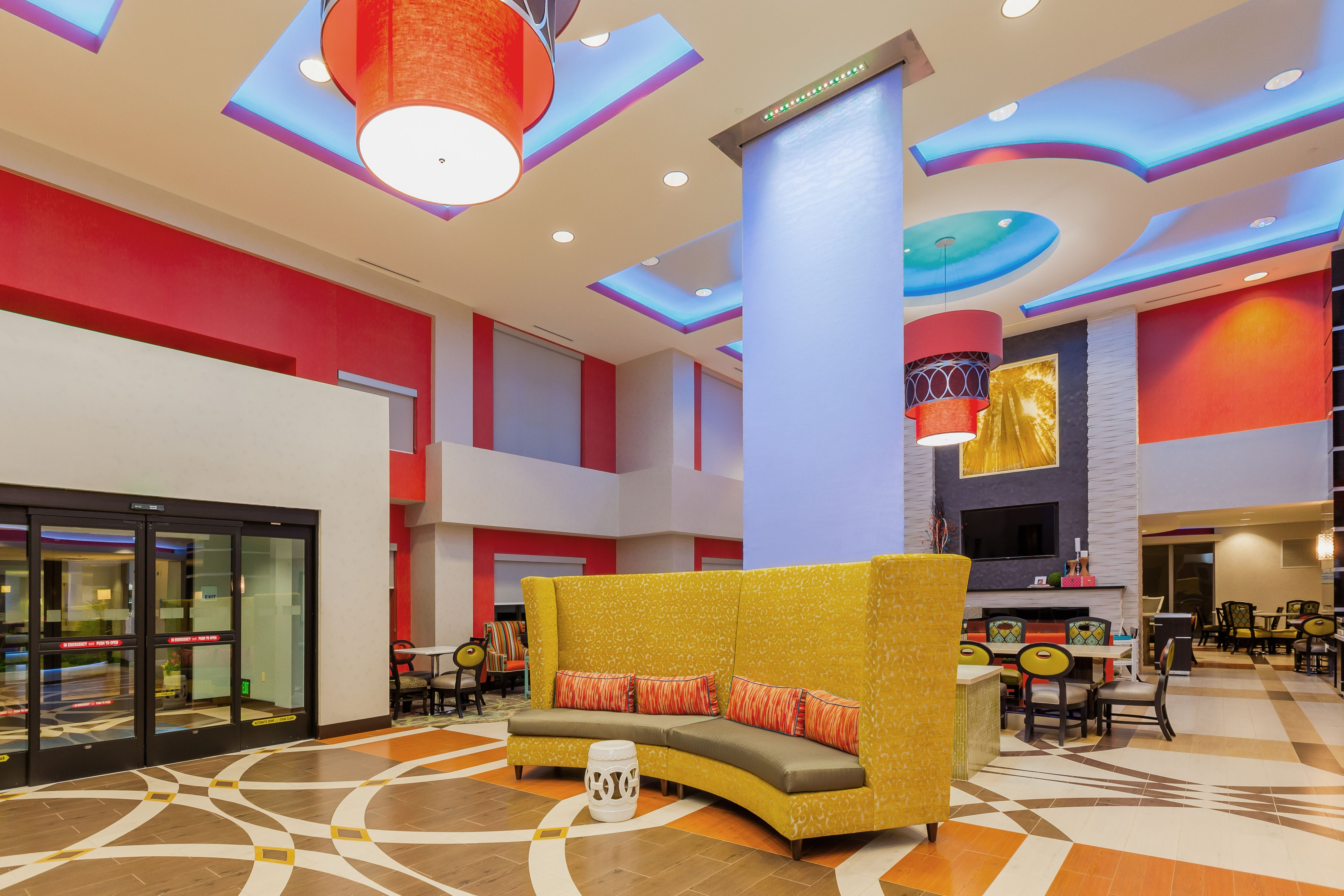 Holiday Inn Express & Suites Eureka image 6