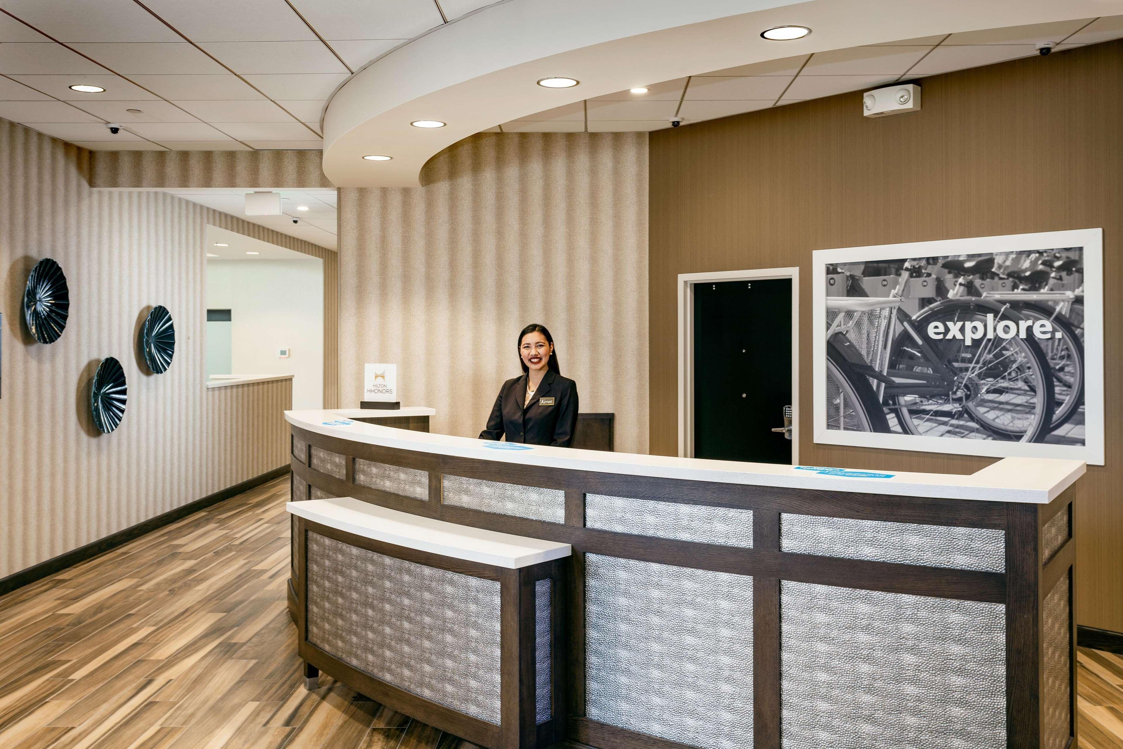 Hampton Inn & Suites by Hilton Seattle/Northgate image 17
