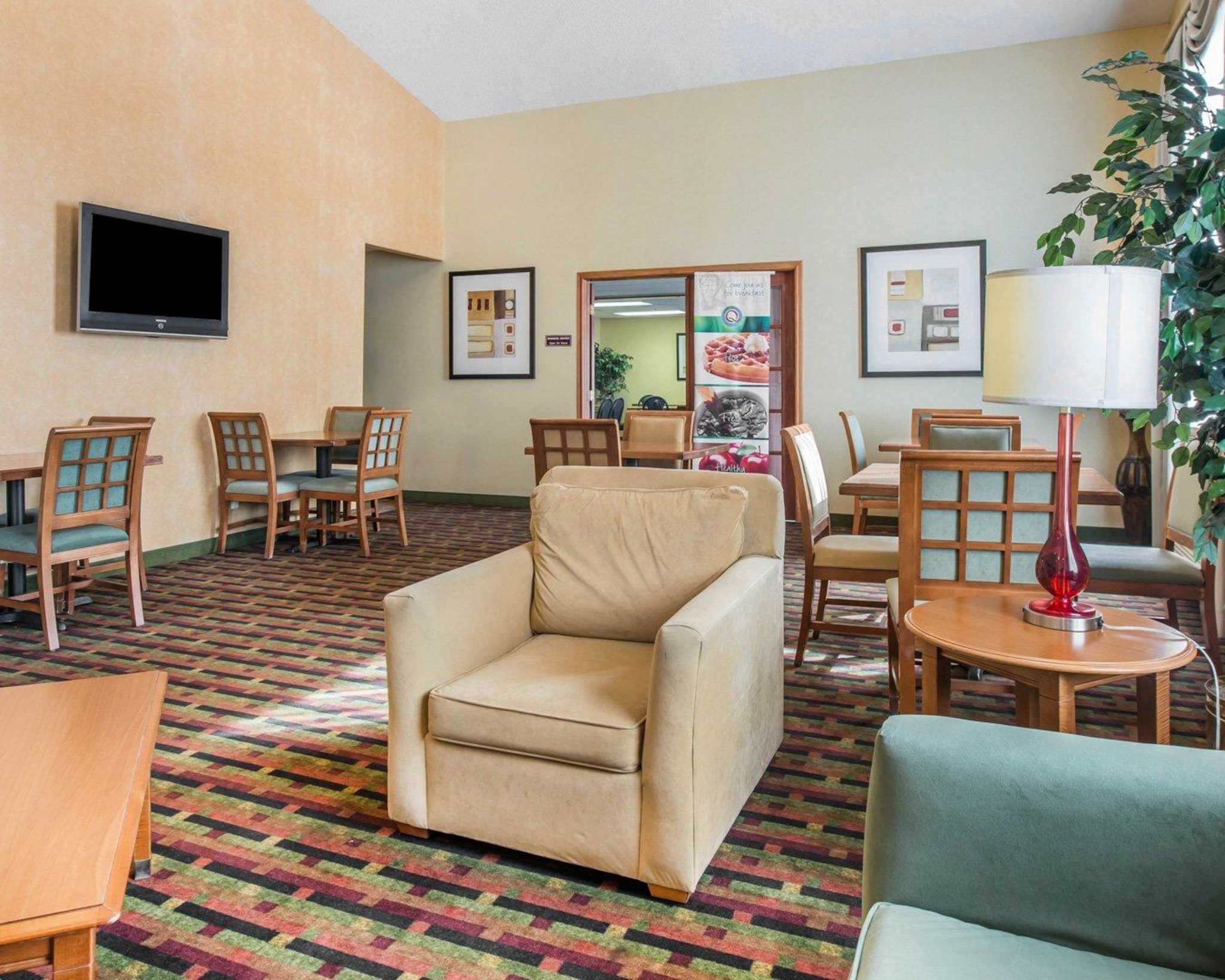 Quality Inn Colorado Springs Airport image 14
