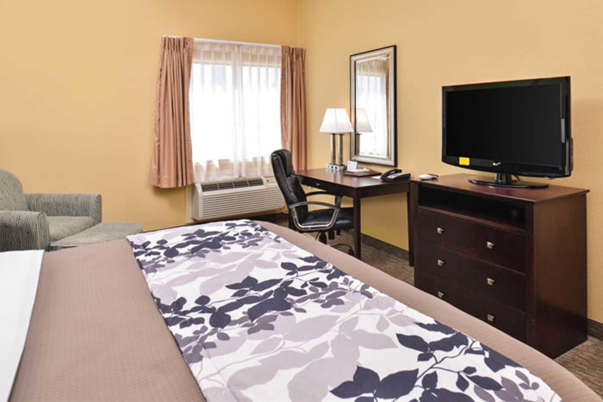Sleep Inn & Suites Near Downtown North image 11