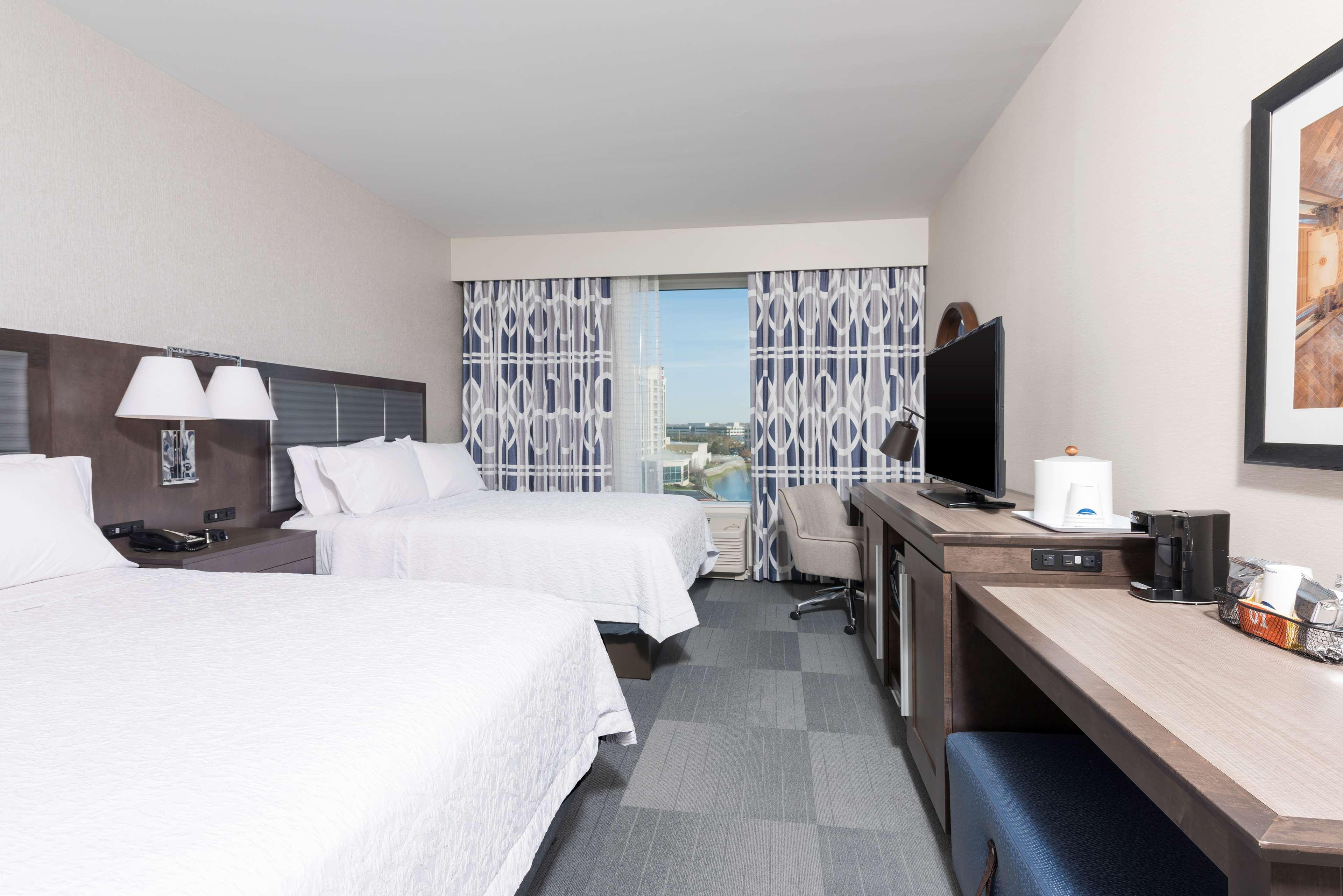 Hampton Inn & Suites Indianapolis-Keystone image 32