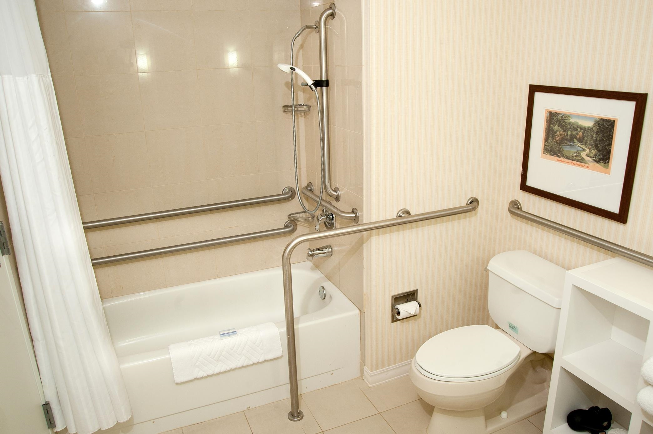 DoubleTree by Hilton Hotel Collinsville - St. Louis image 37