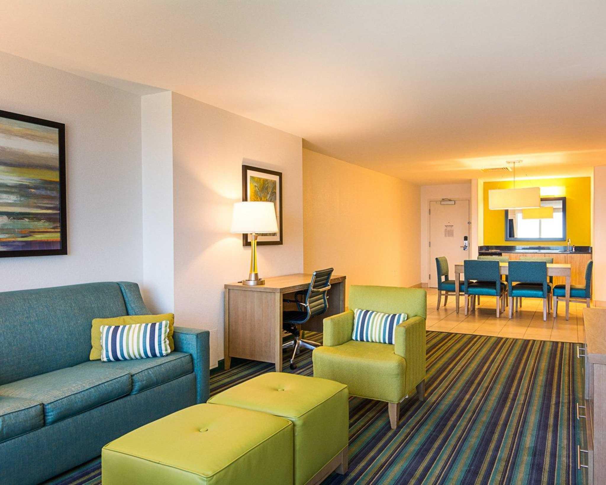Comfort Suites Beachfront image 30