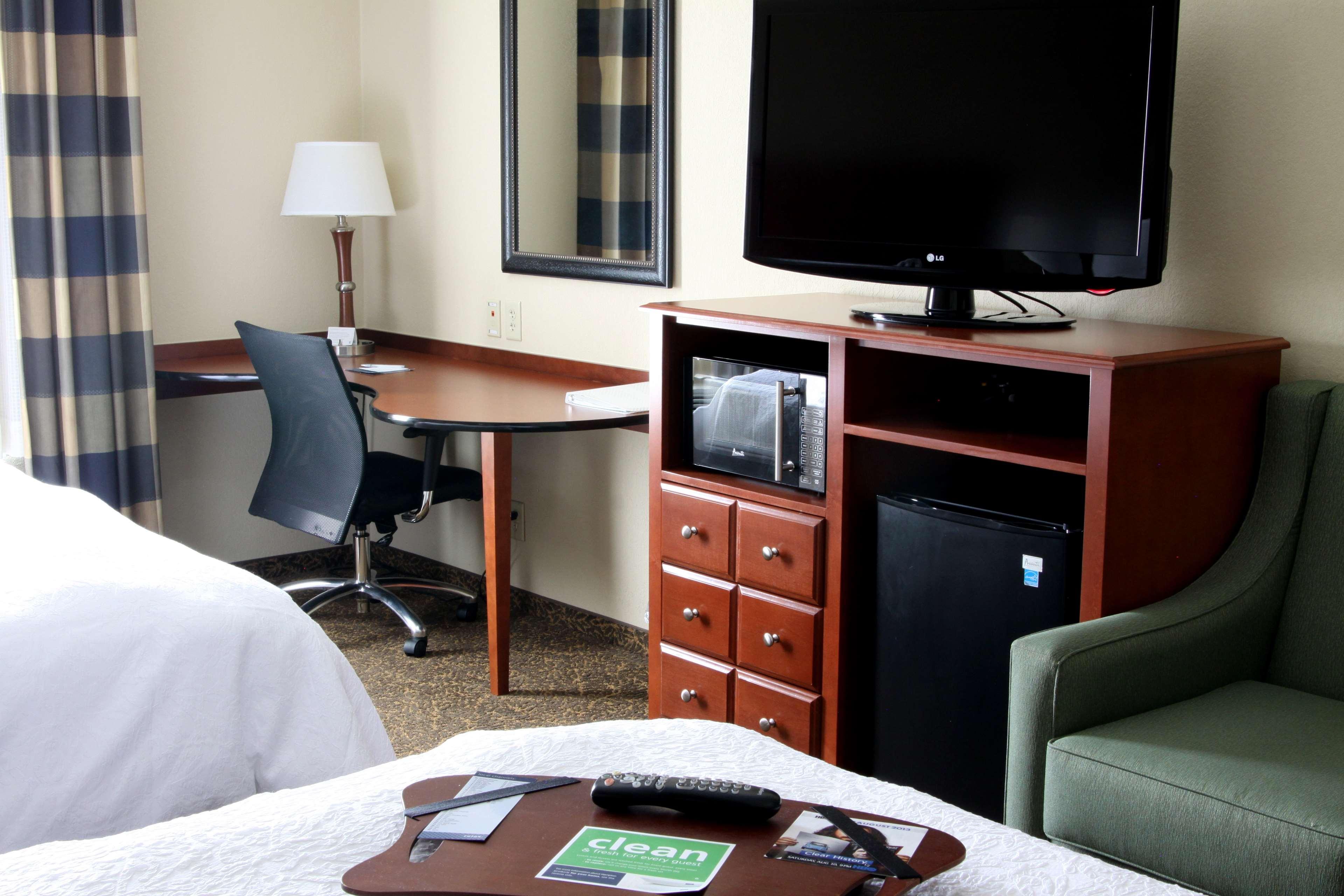 Hampton Inn & Suites Paducah image 23