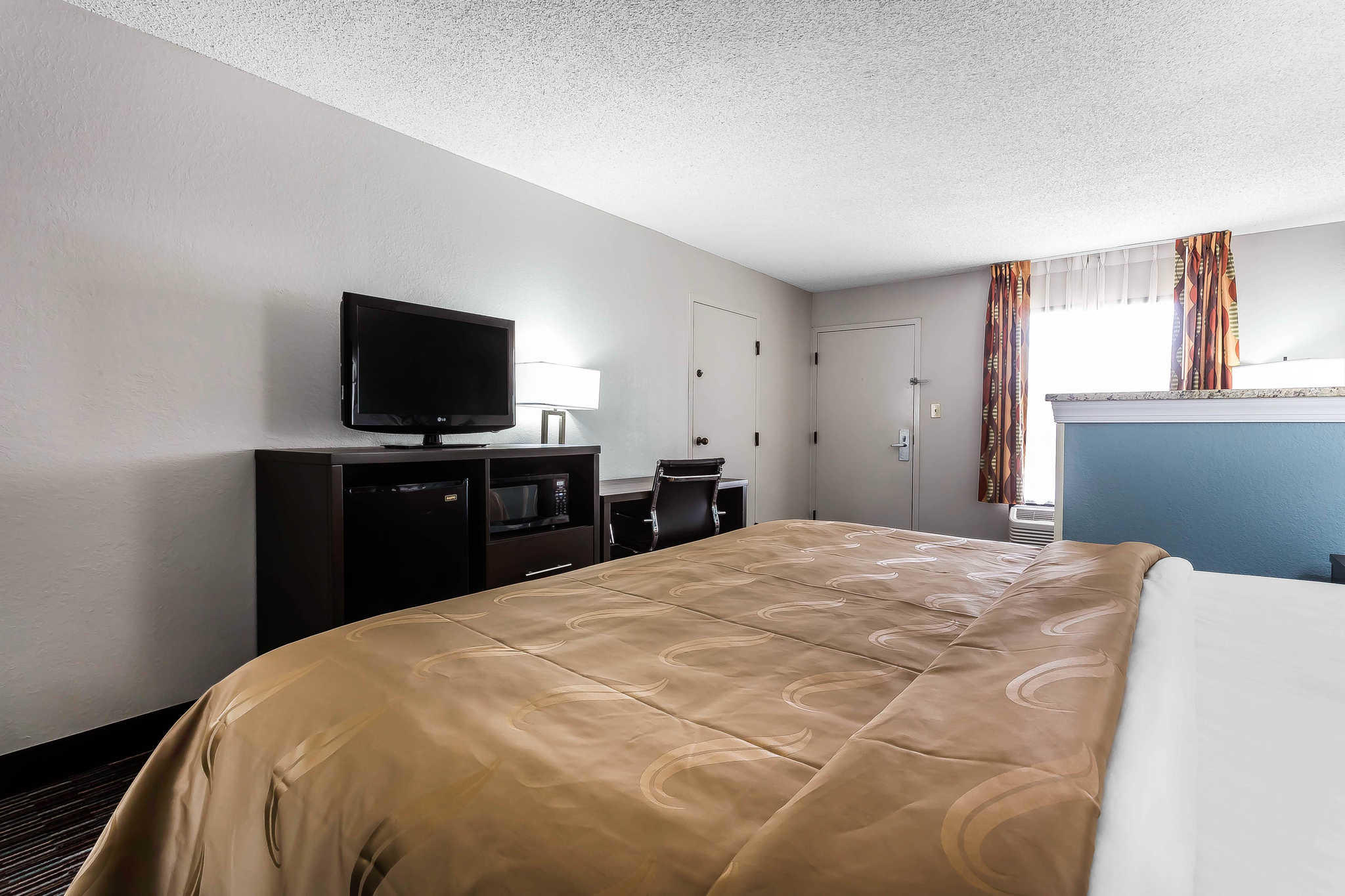 Quality Inn & Suites Mooresville-Lake Norman image 21
