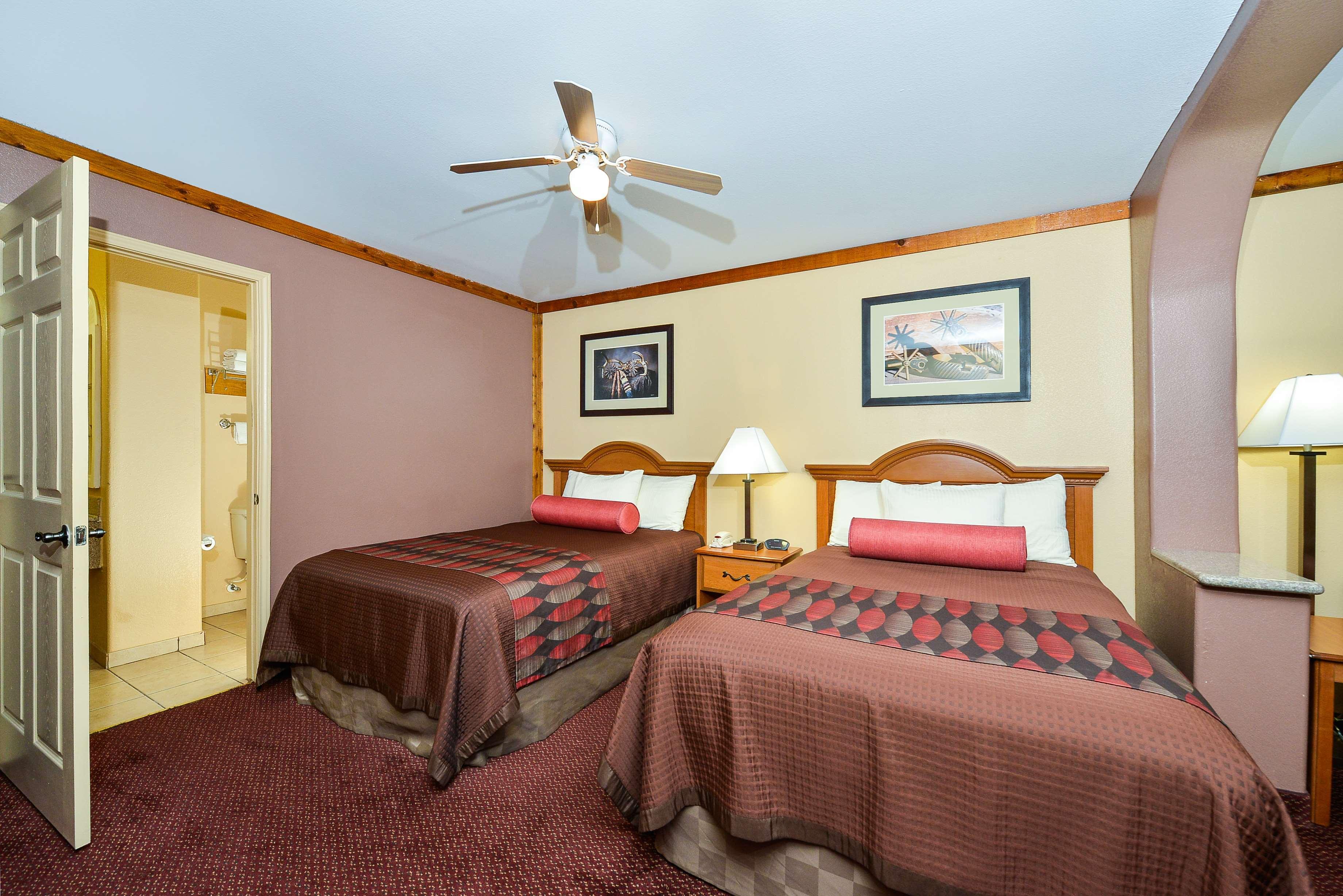 Best Western Windwood Inn & Suites image 23