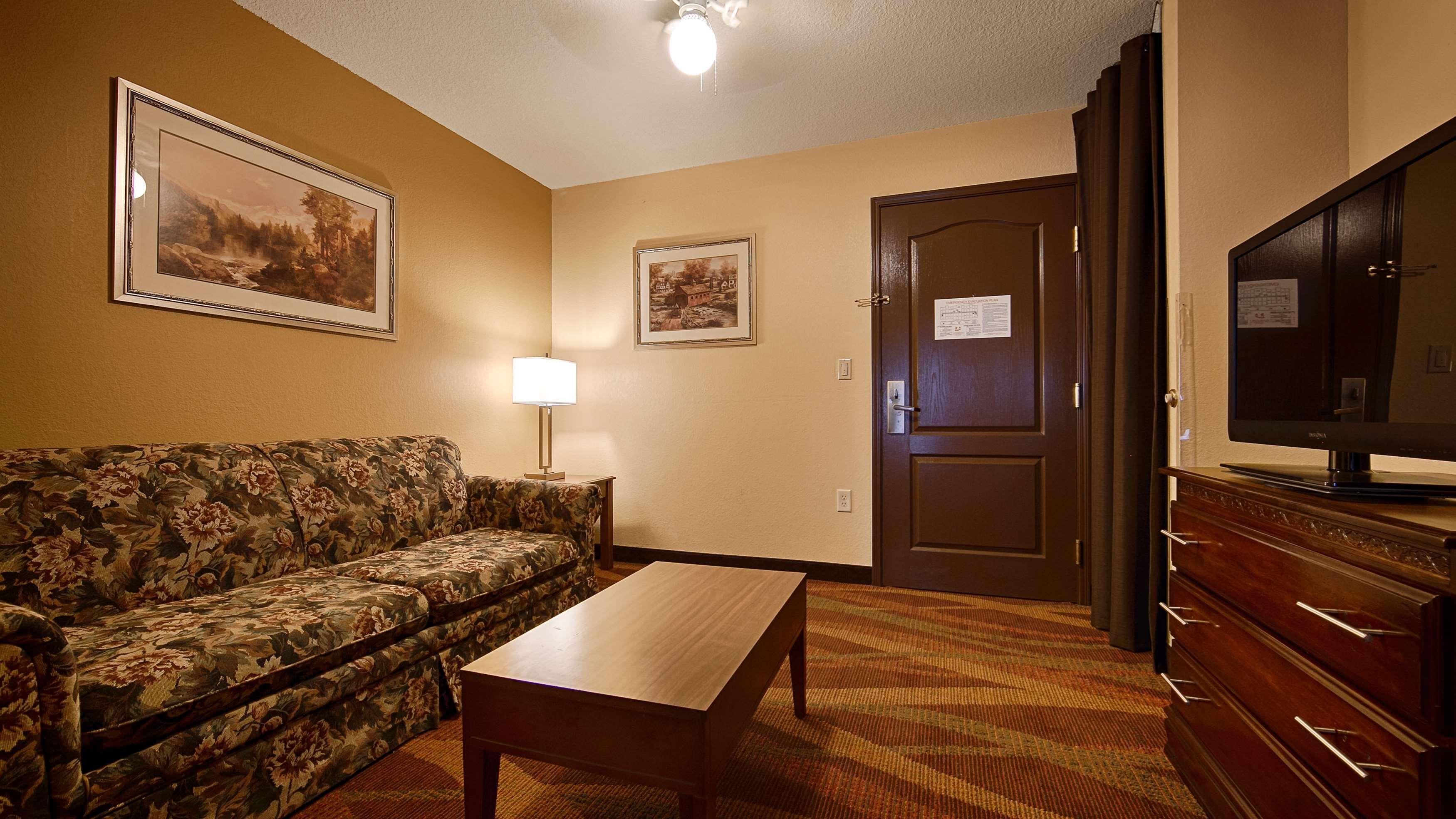 Best Western Plus Fort Wayne Inn & Suites North image 22