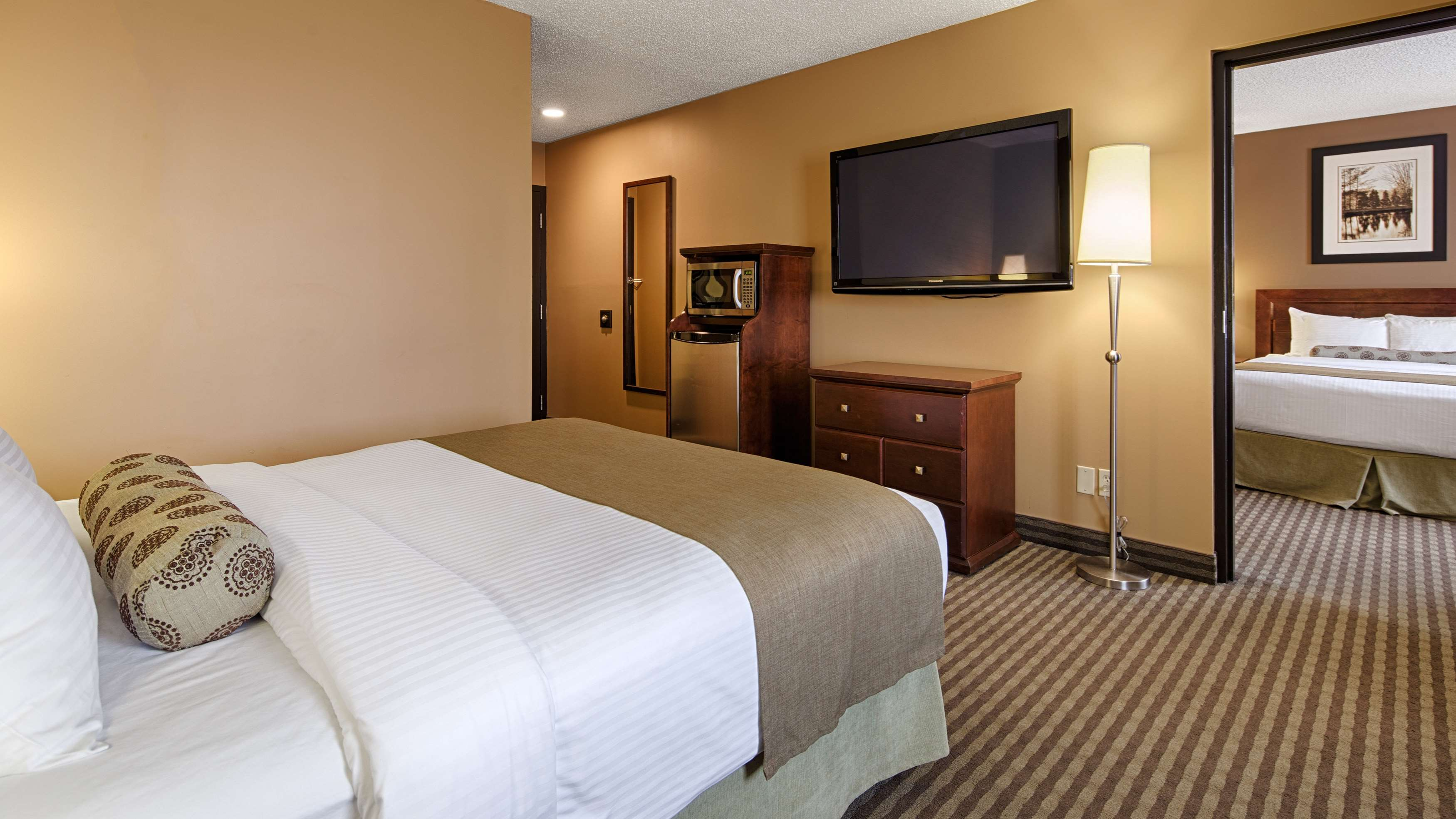 Best Western Seven Oaks Inn in Regina: Two Queen Suite