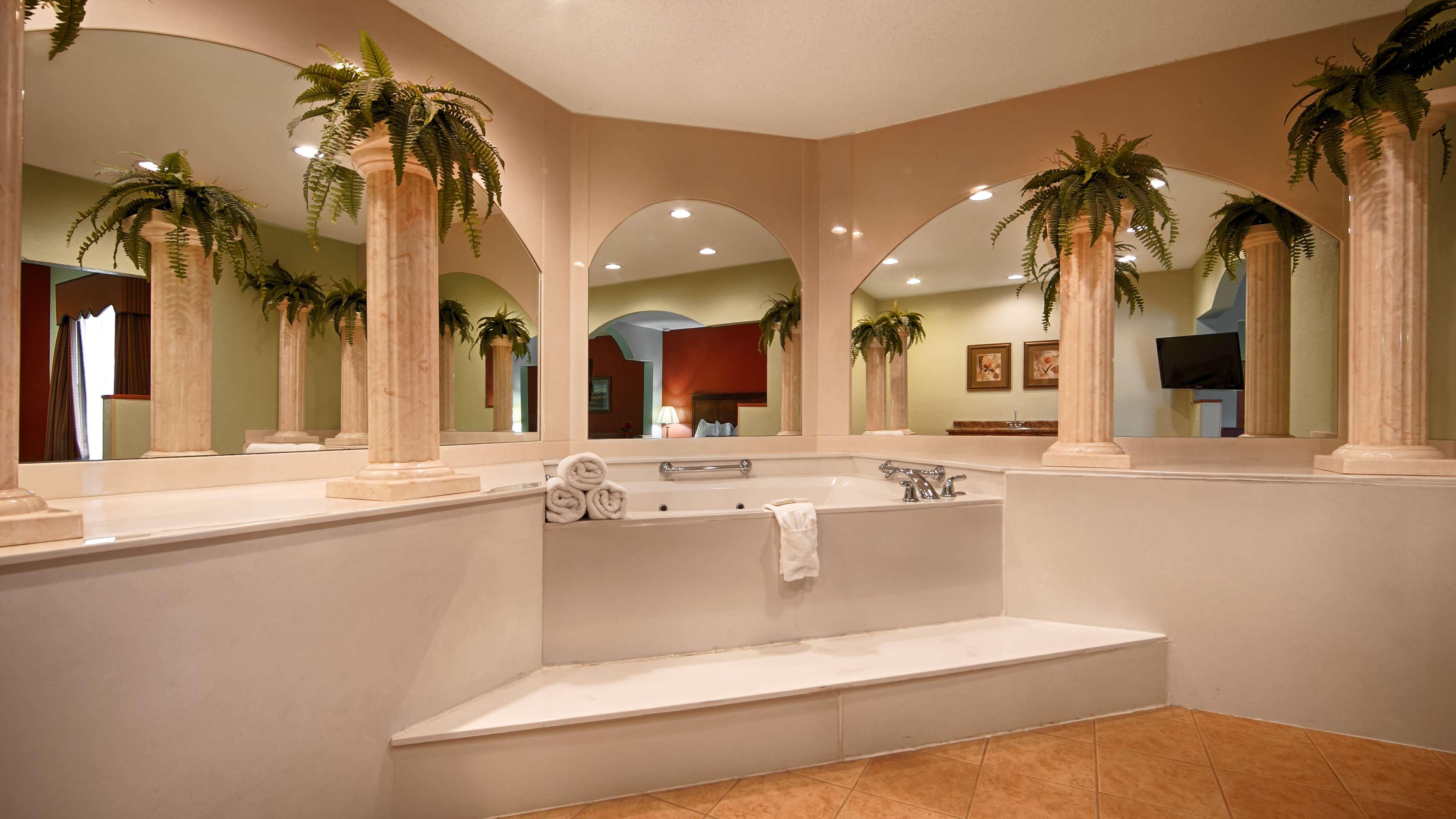 Best Western Plus Bradbury Inn & Suites image 6
