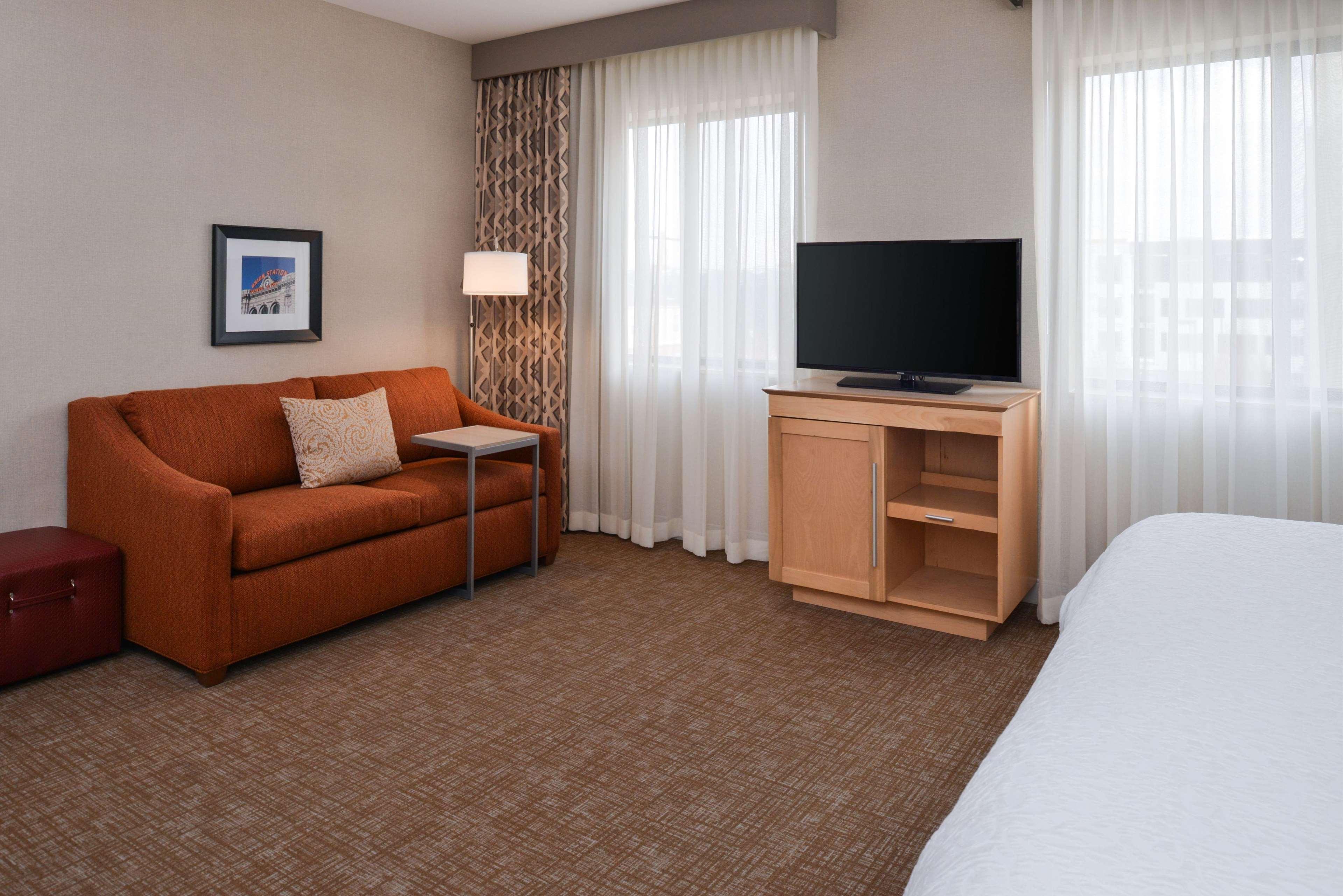 Hampton Inn & Suites Denver-Speer Boulevard image 33