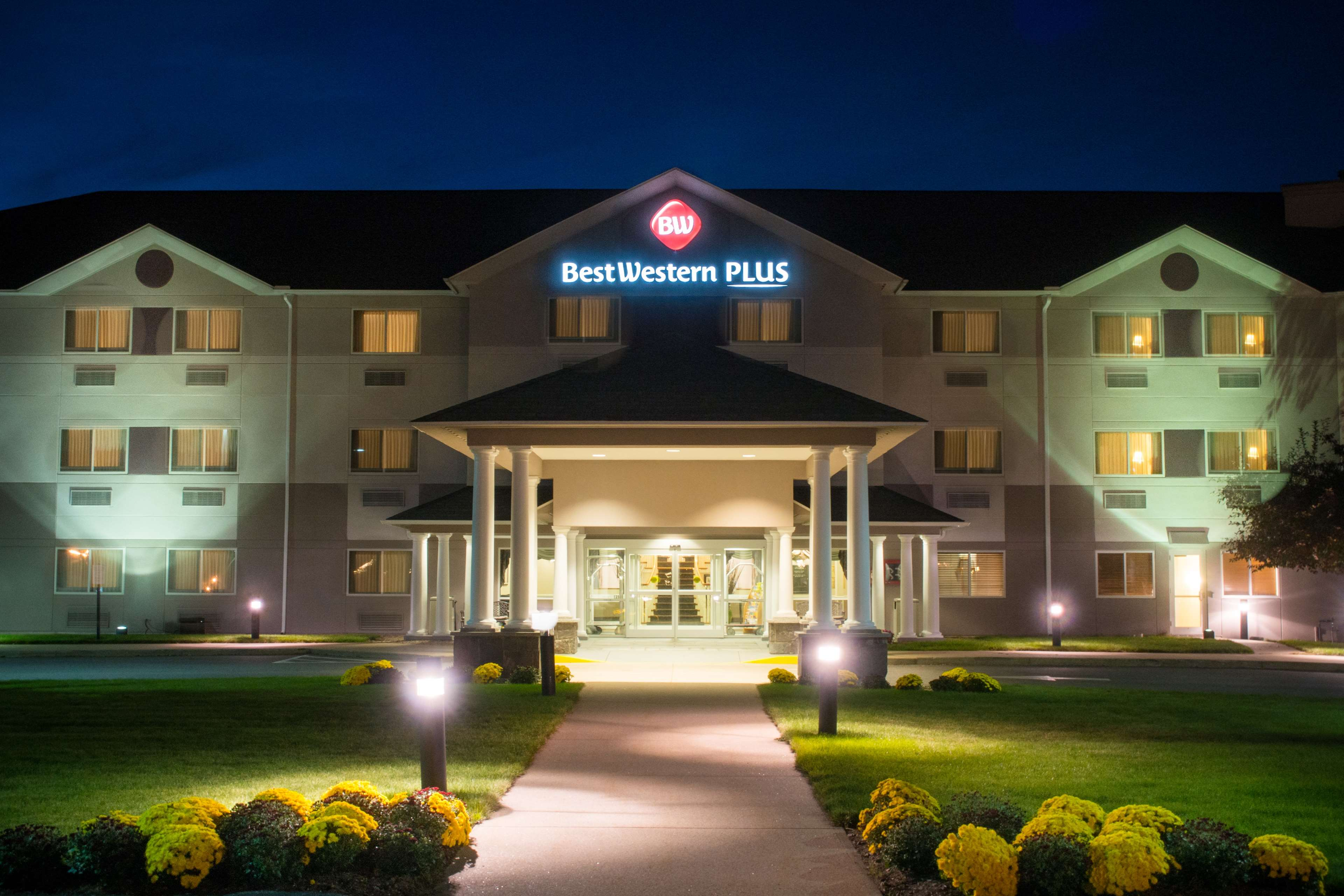 Best Western Plus Executive Court Inn & Conference Center image 1