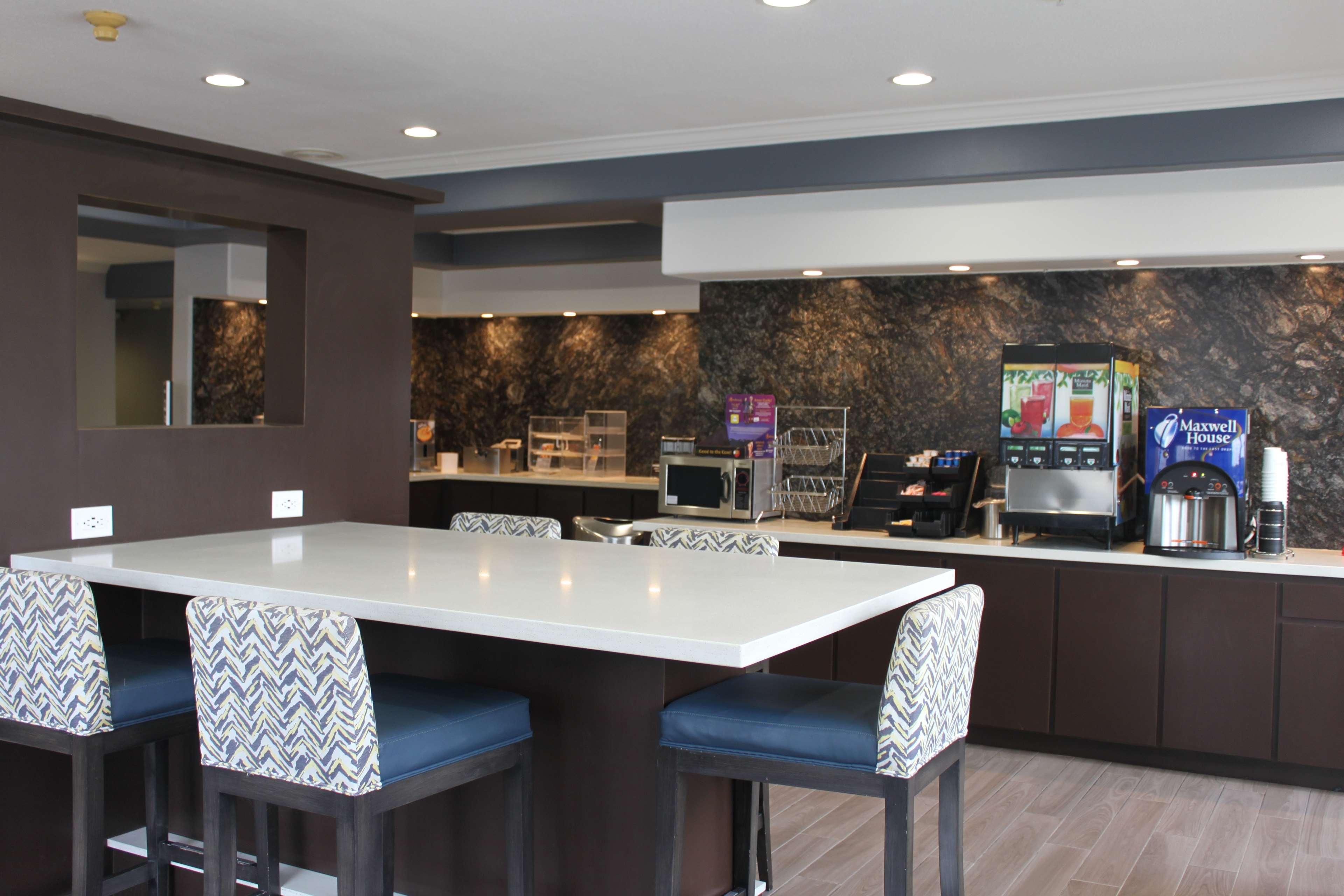 Best Western Plus North Houston Inn & Suites image 6