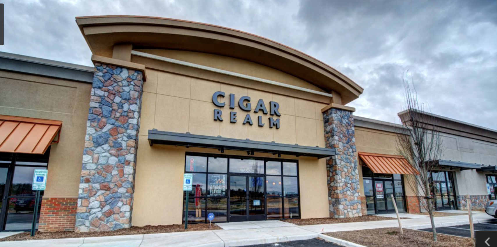 Cigar Realm image 7