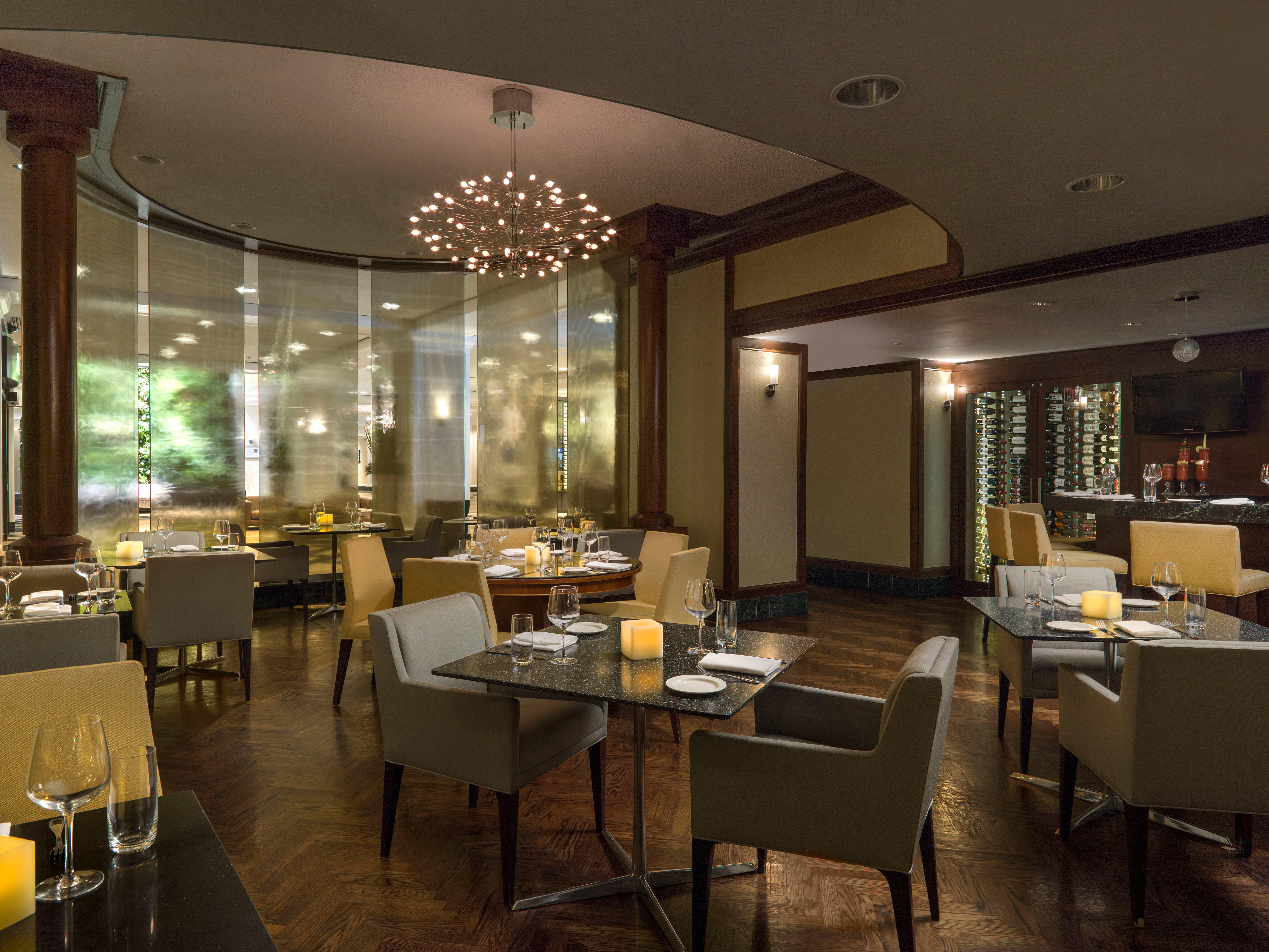 CHELSEA HOTEL, TORONTO in Toronto: T|bar Restaurant