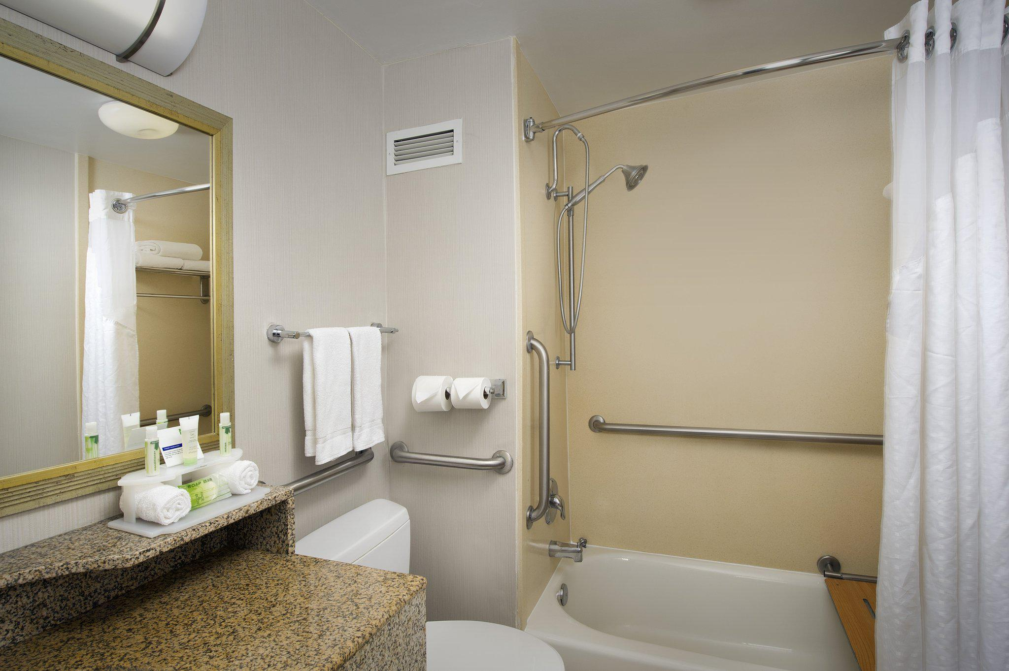 Holiday Inn Express Baltimore at the Stadiums in Baltimore, MD, photo #4