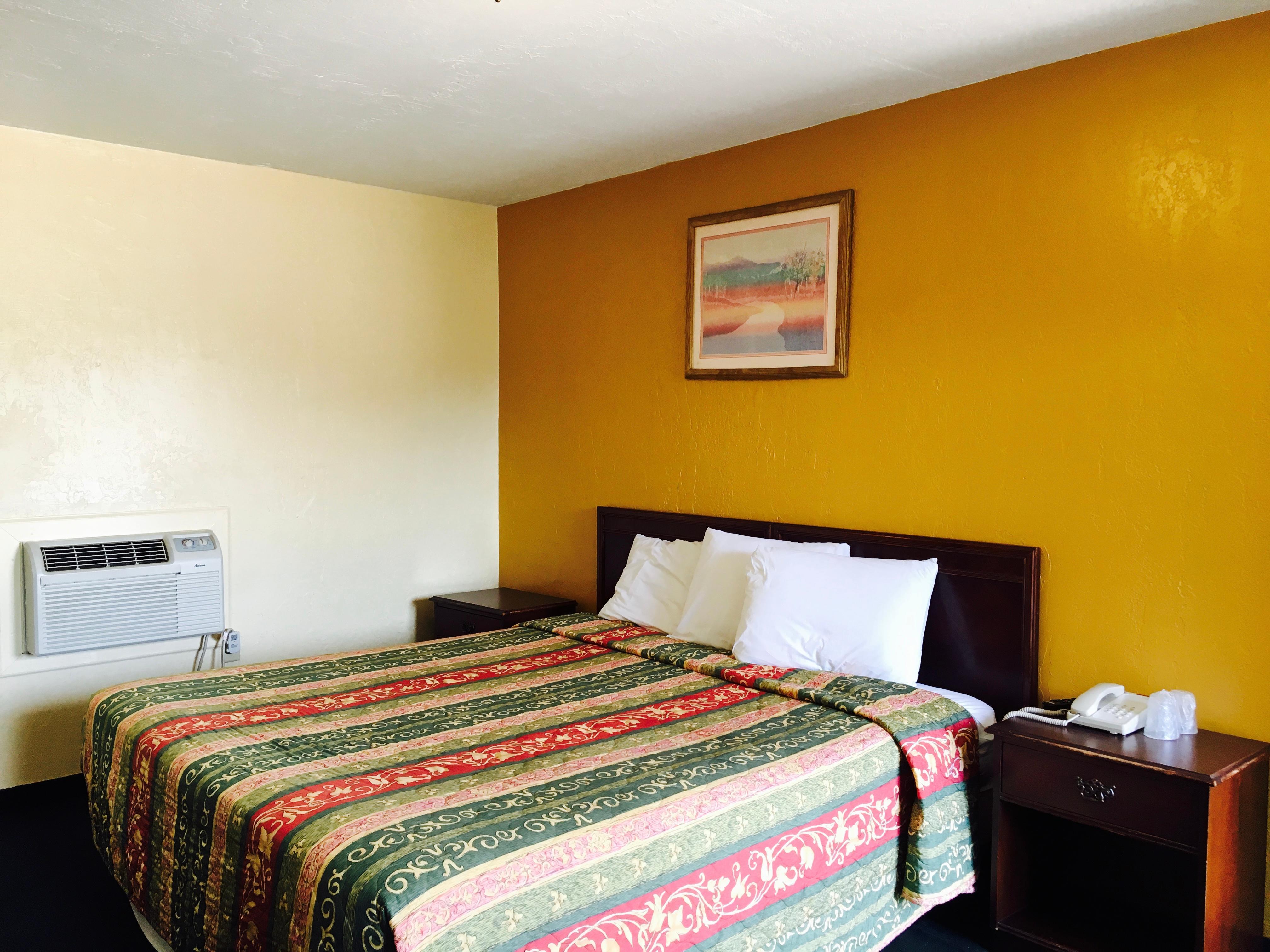 Relax Inn Lawton image 3