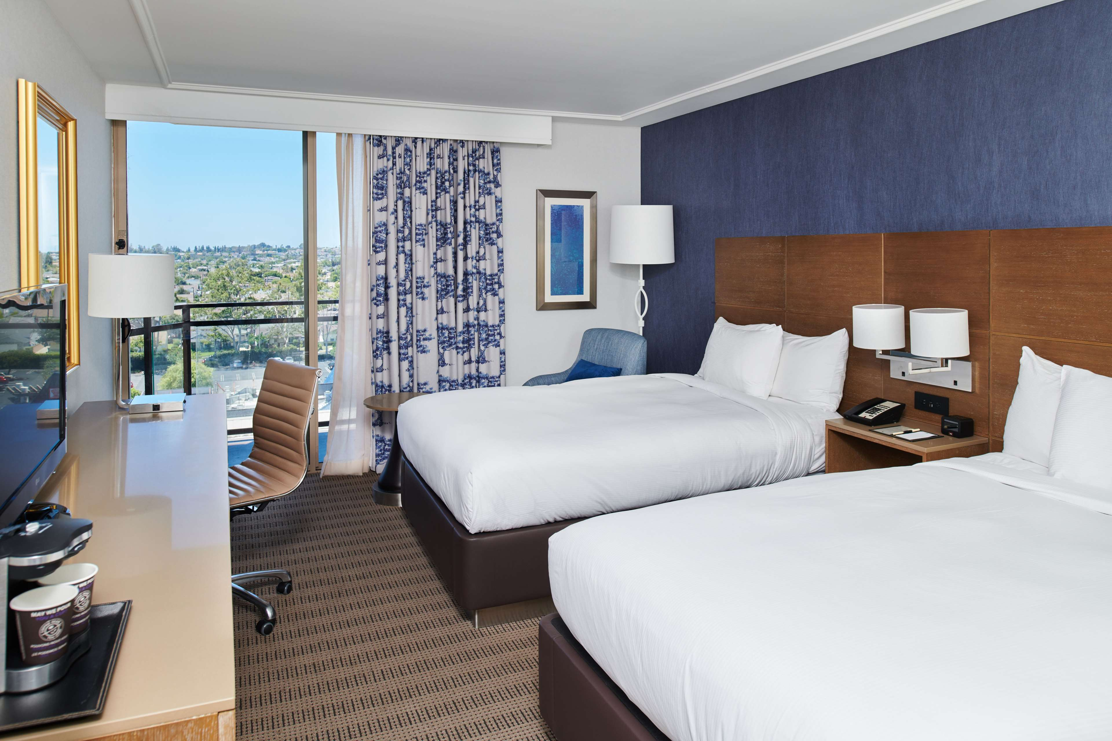 DoubleTree by Hilton Hotel Torrance - South Bay image 11