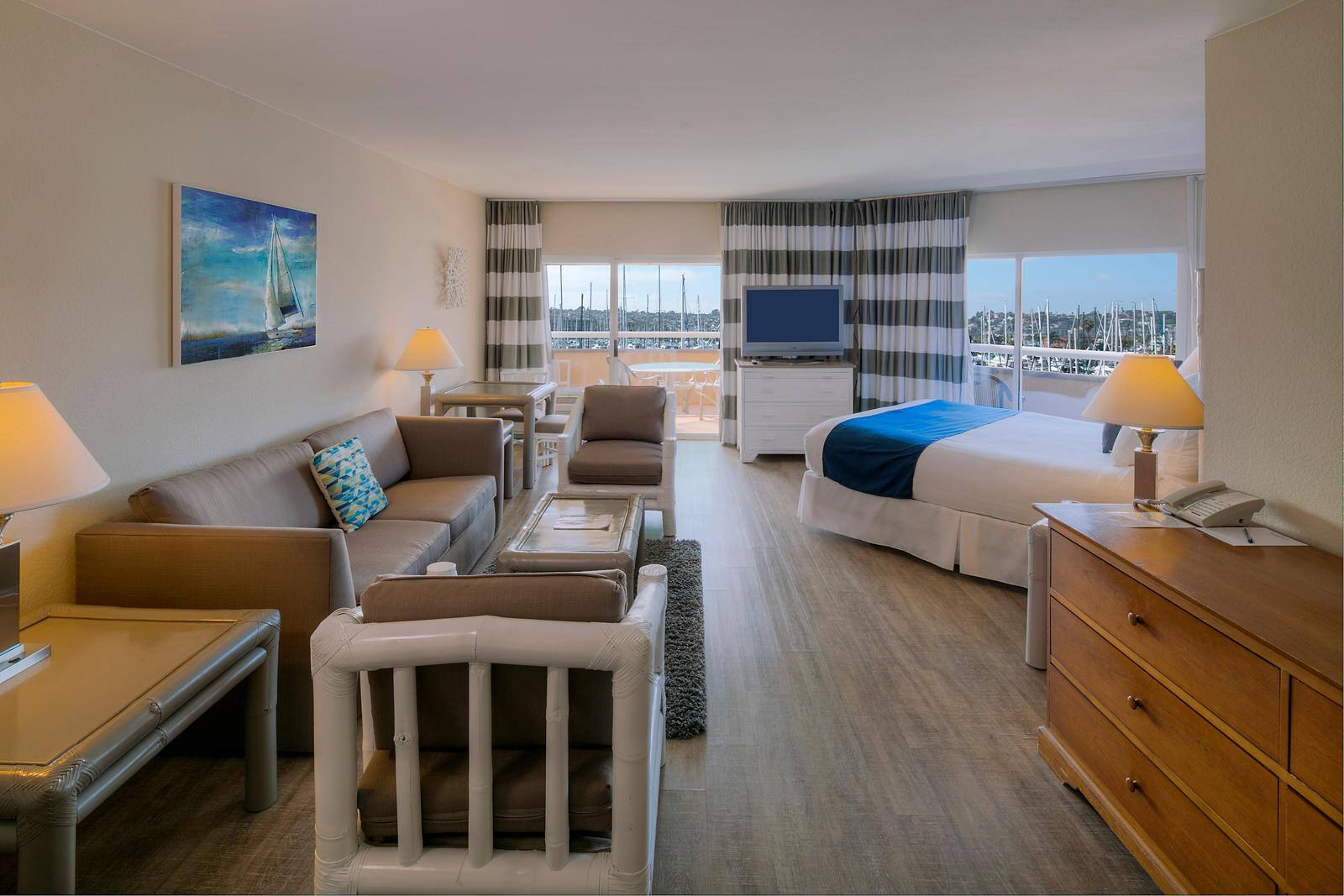 The Bay Club Hotel & Marina image 2