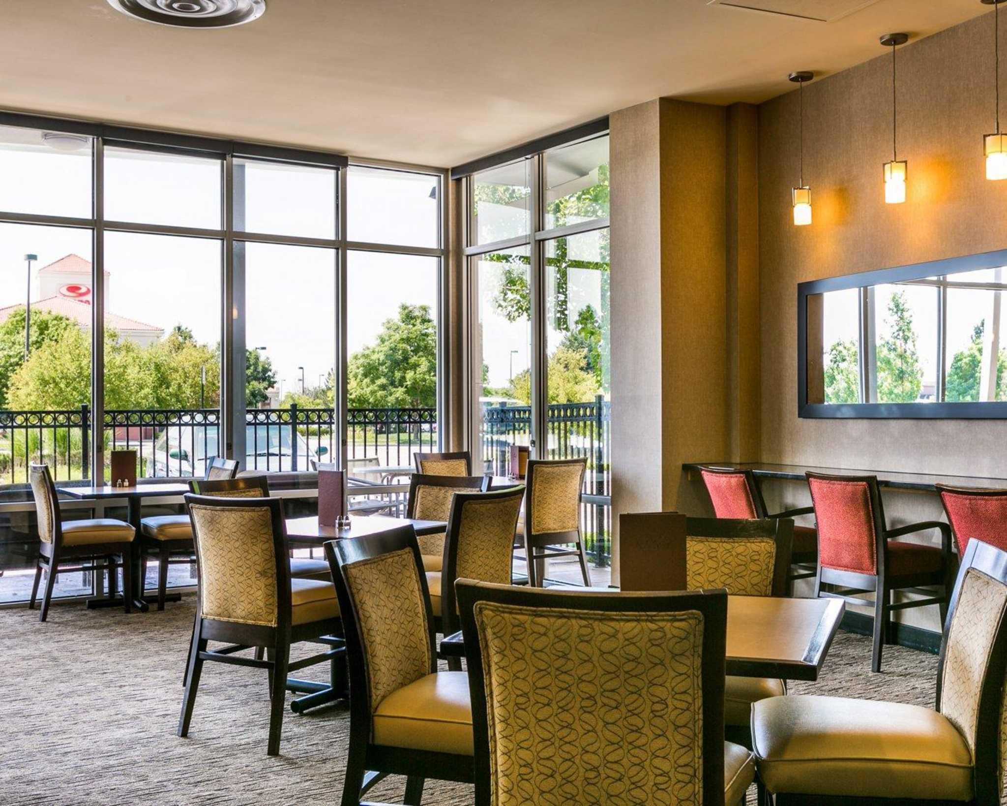 Cambria Hotel Denver International Airport image 39