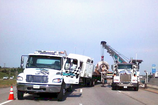 Cotton's Towing image 3