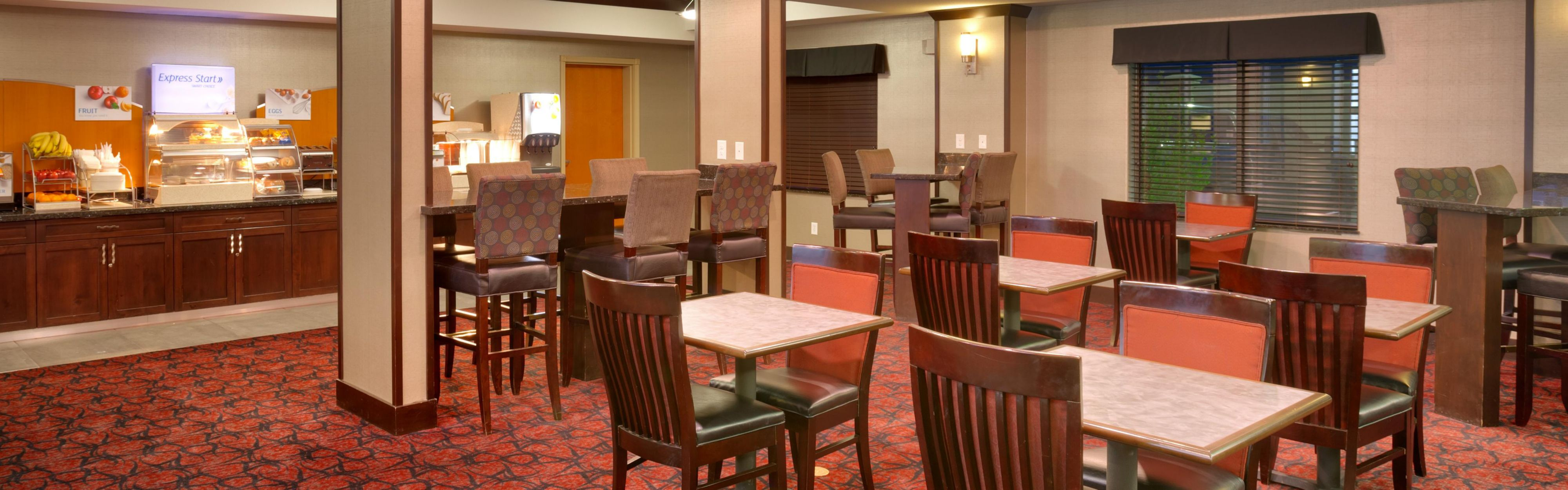 Holiday Inn Express & Suites Grand Junction image 3