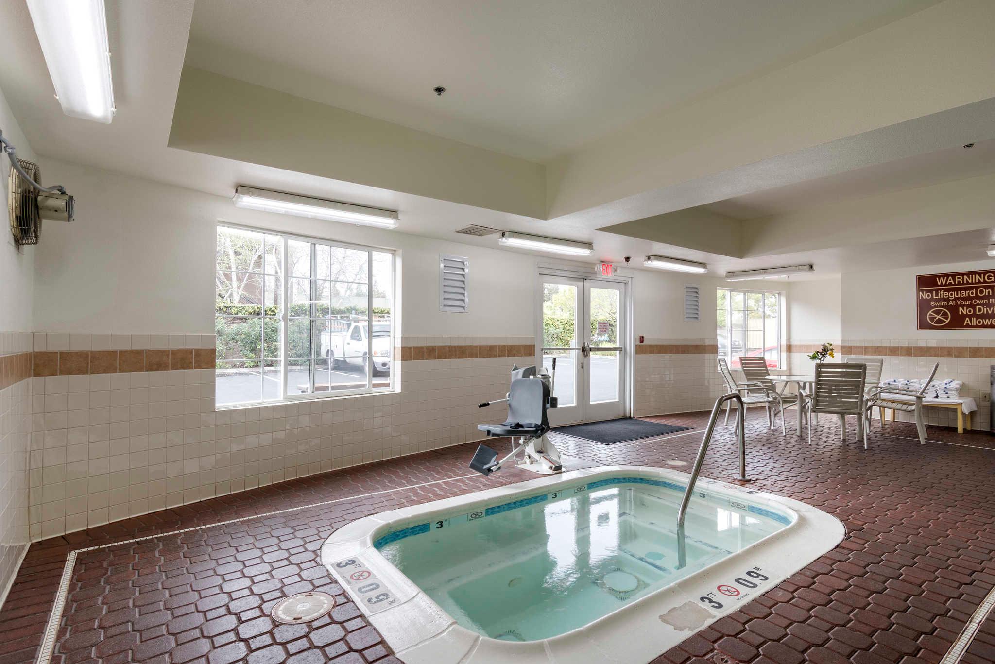 Comfort Inn & Suites Sacramento - University Area image 31