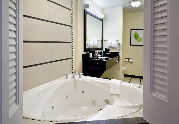 Fairfield Inn & Suites by Marriott Charlotte Matthews image 1