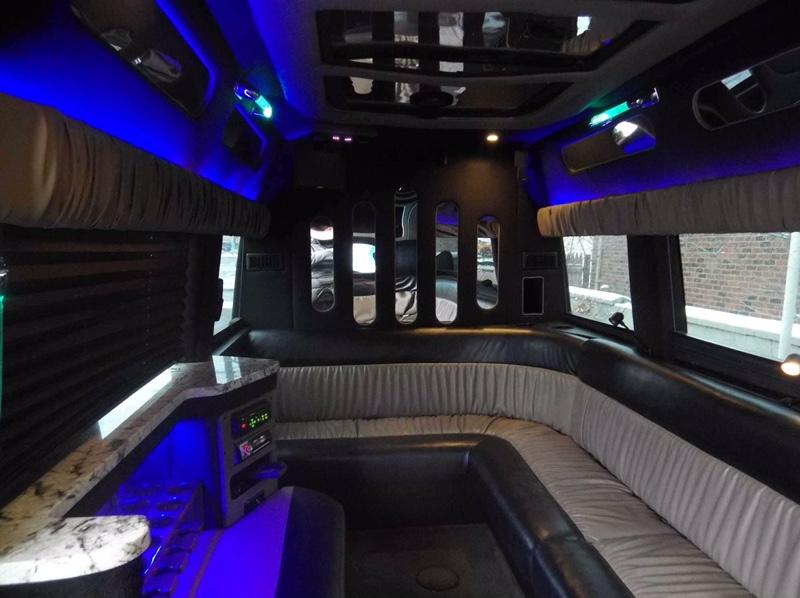 Top Travel Limousine image 3