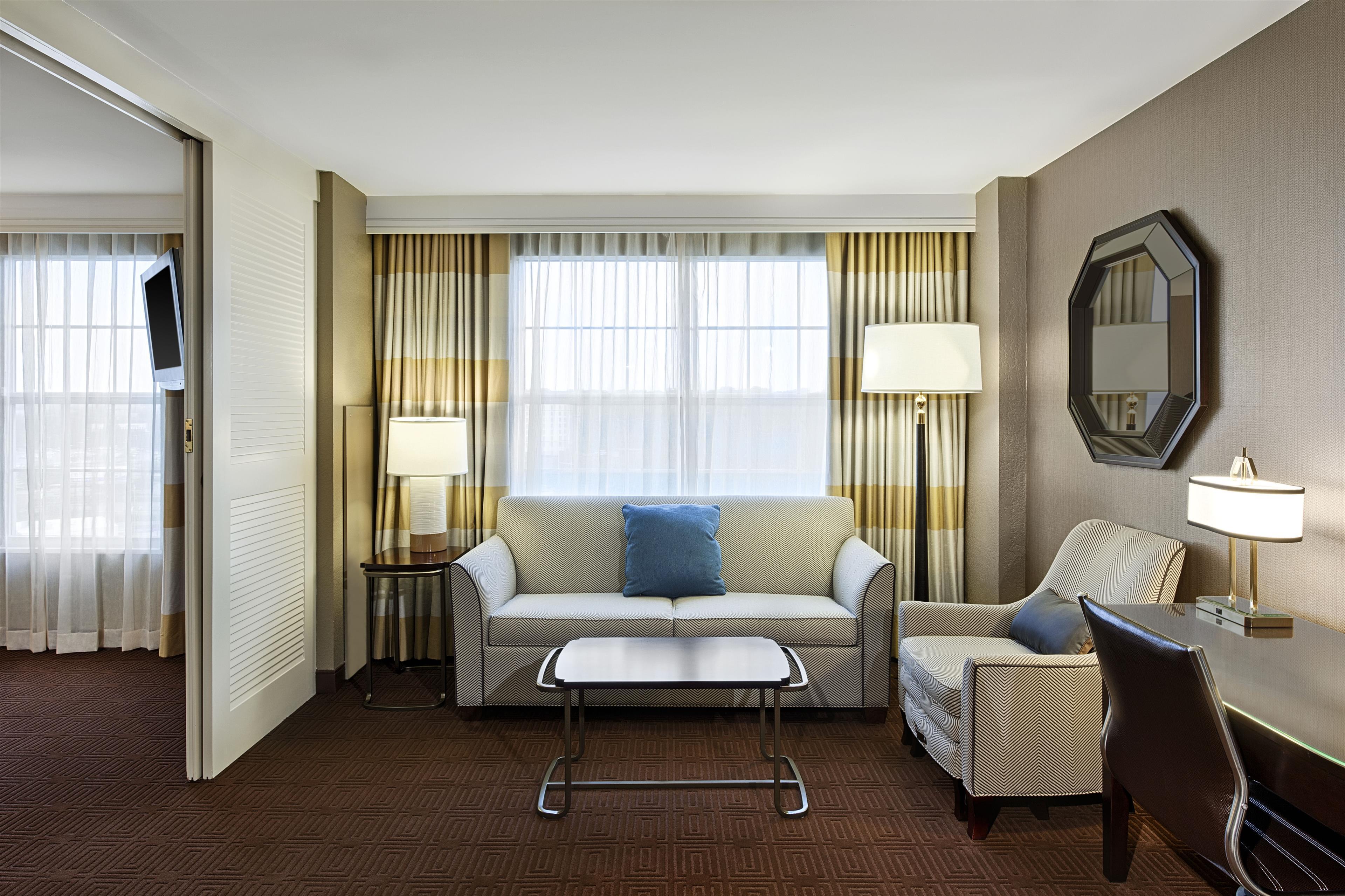 Sheraton Suites Galleria-Atlanta image 1