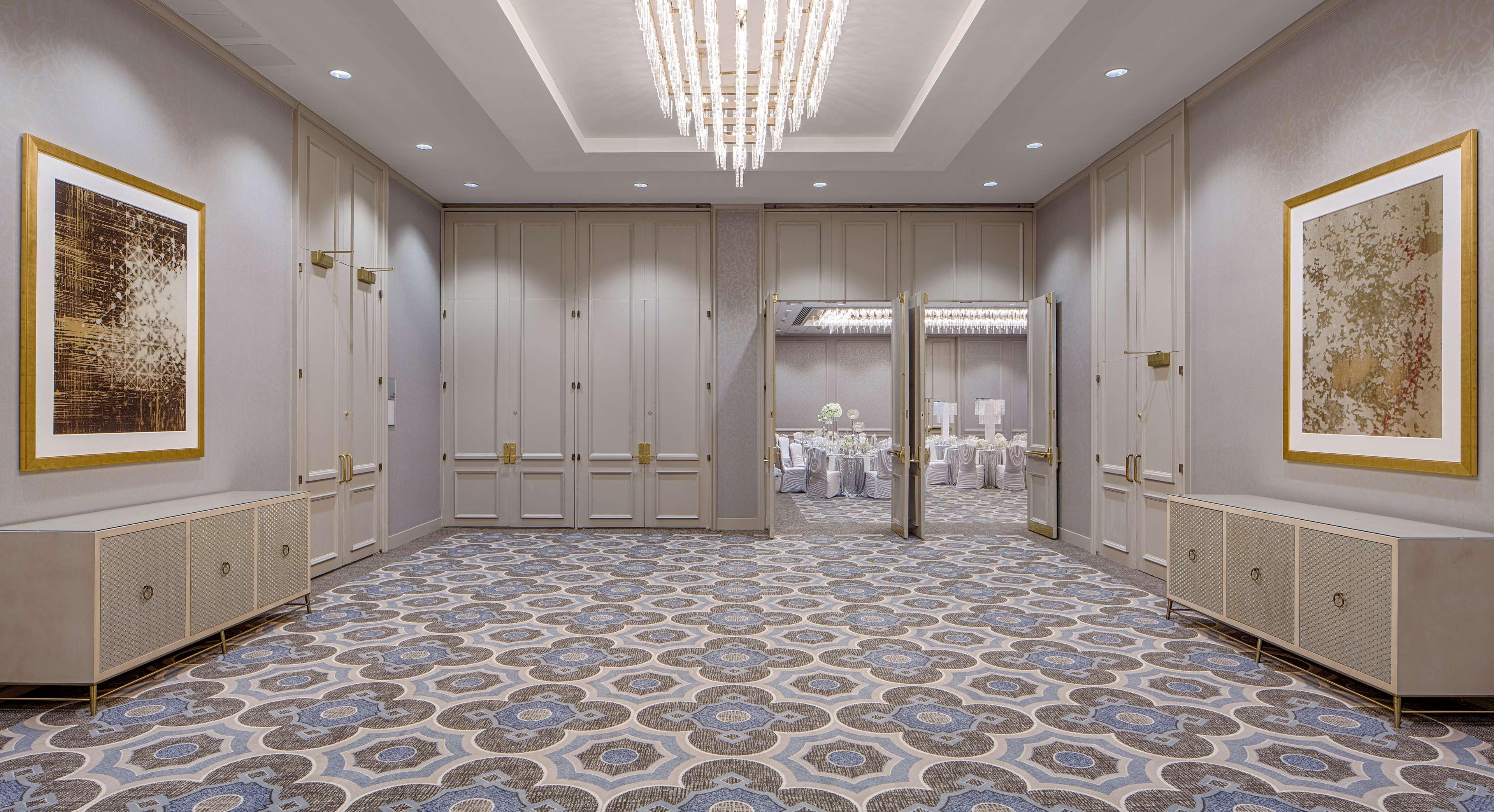 DoubleTree by Hilton Hotel Houston - Greenway Plaza image 34