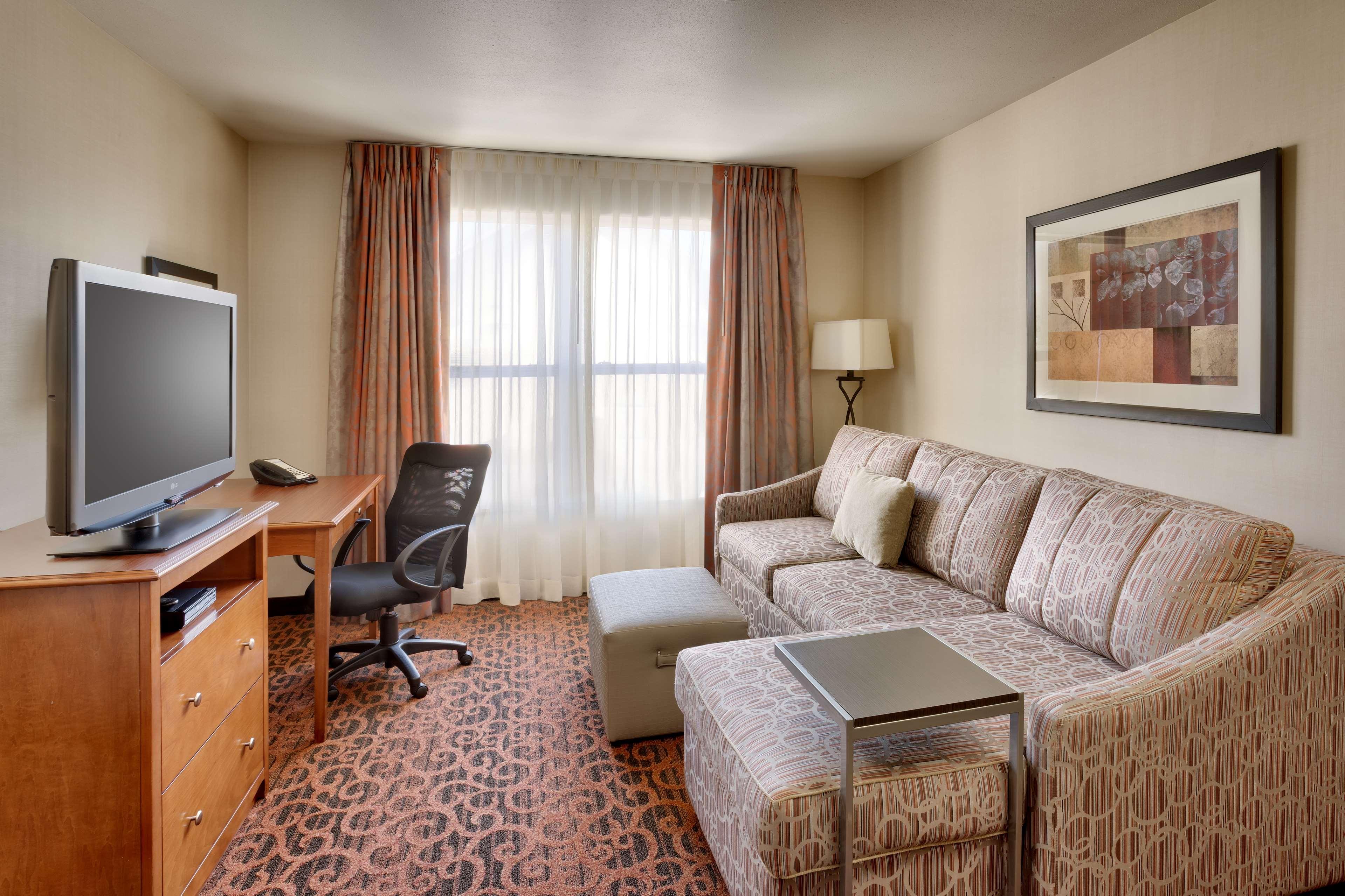 Hampton Inn & Suites Orem image 17