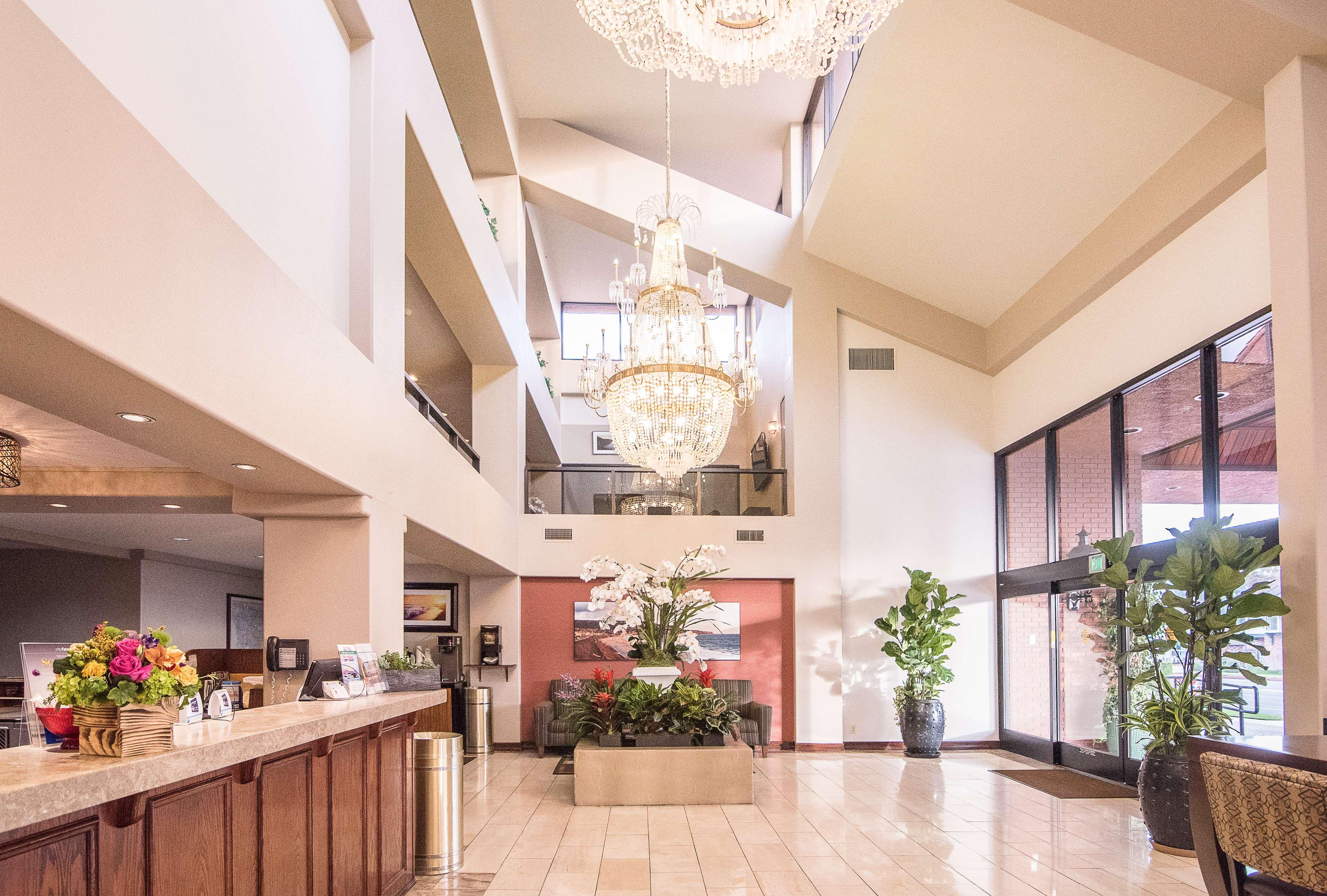 Best Western Plus Redondo Beach Inn image 5