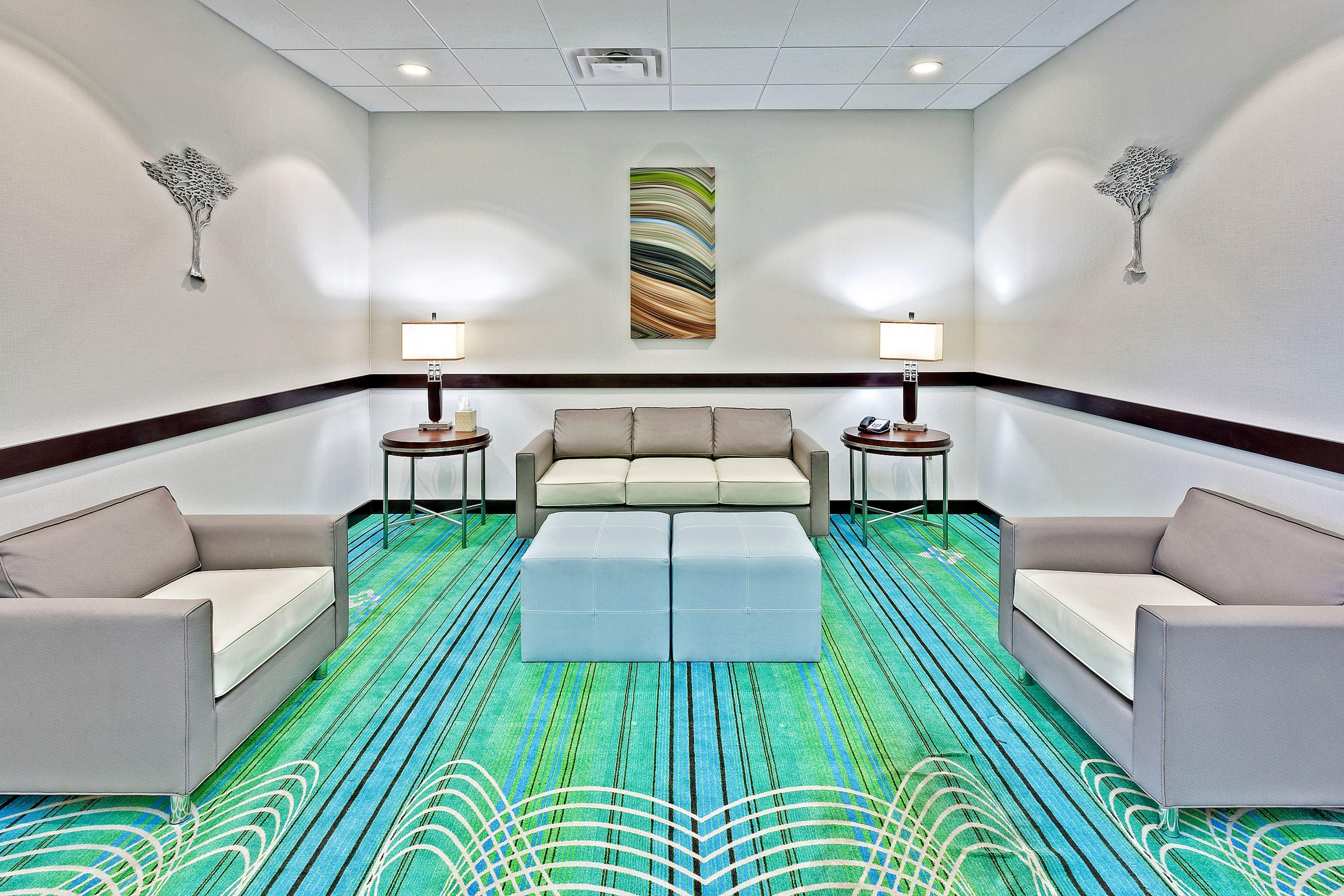 Holiday Inn Express & Suites New Philadelphia image 4