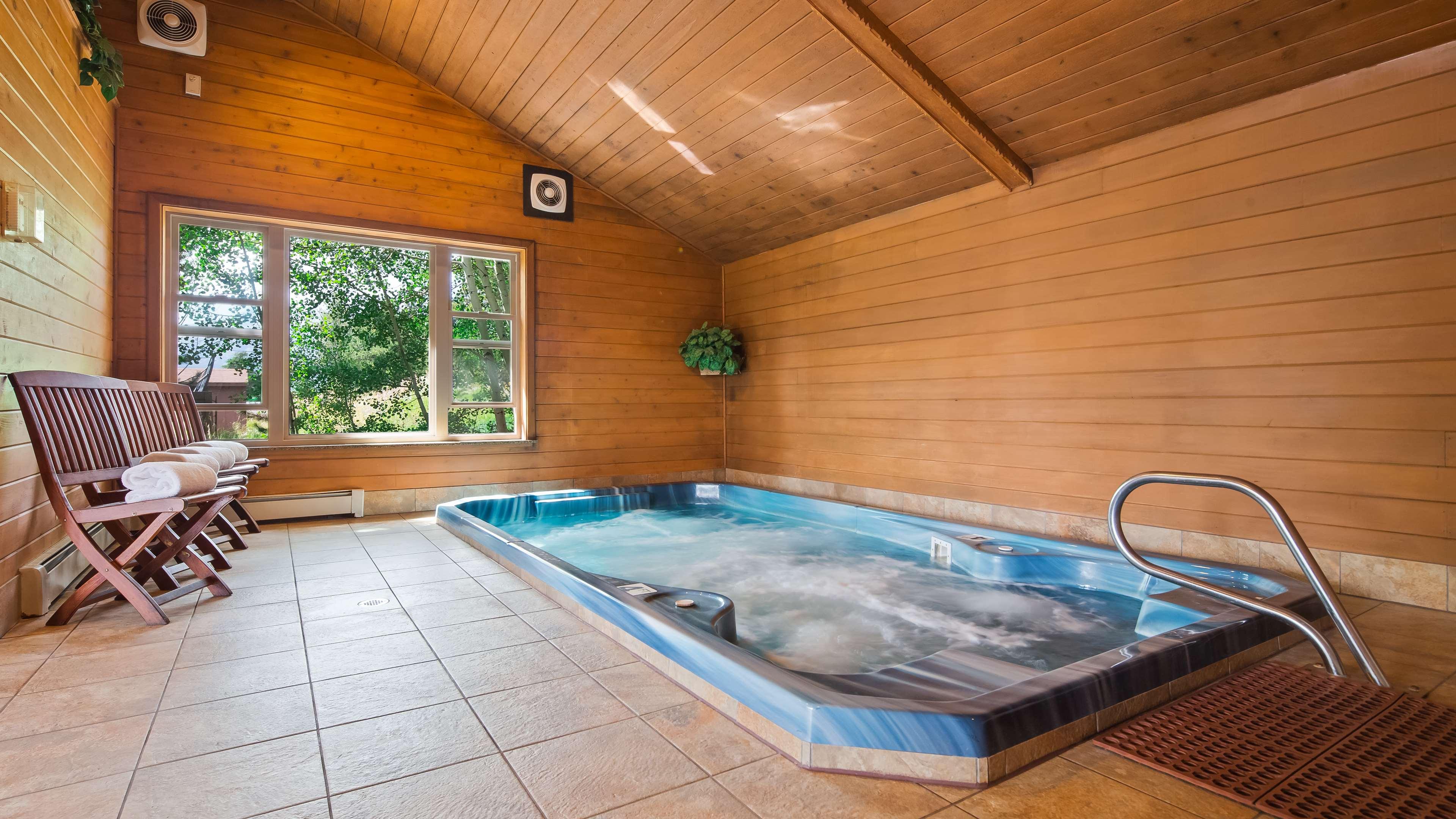 Best Western Ptarmigan Lodge image 8