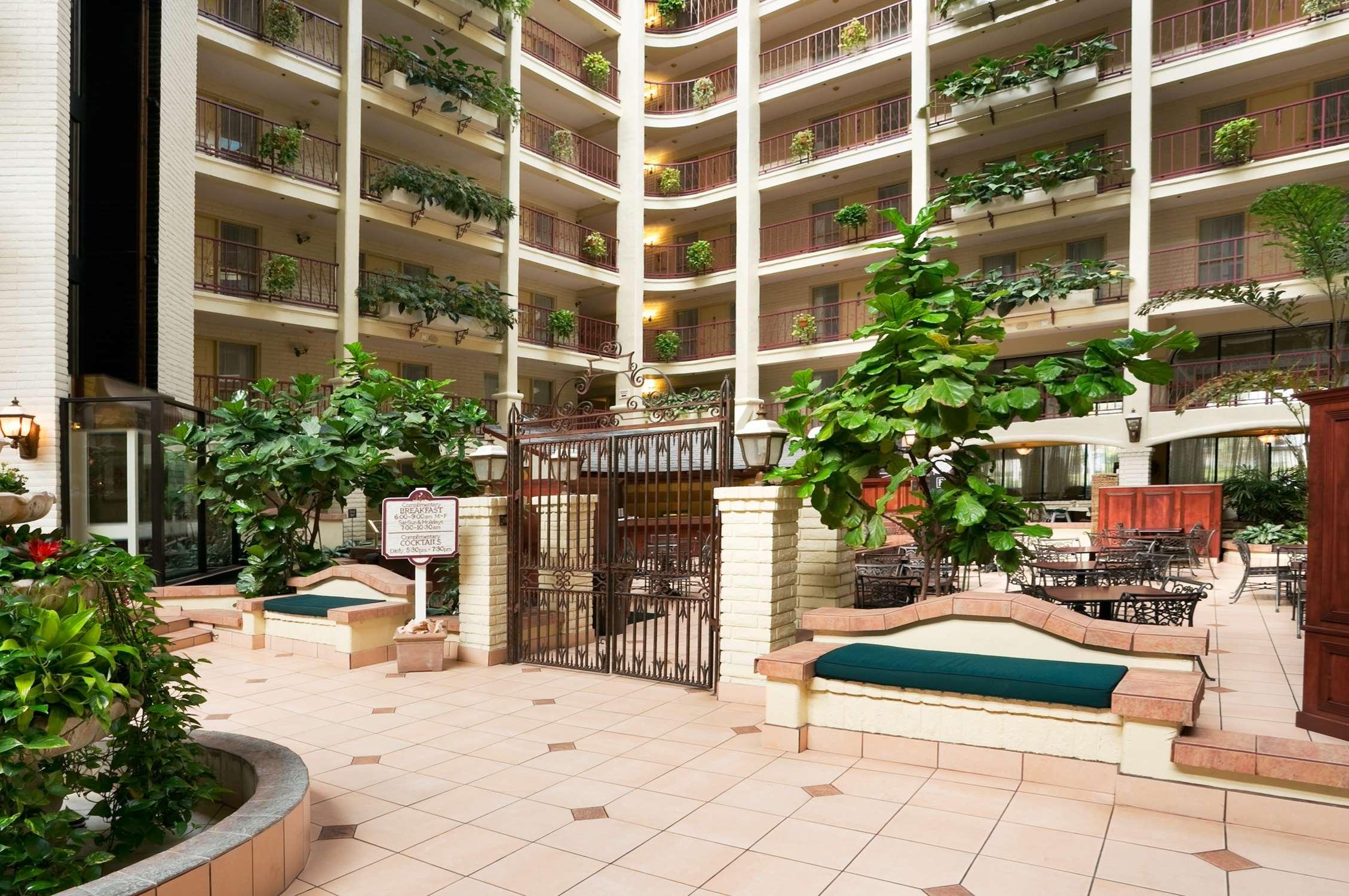 Embassy Suites by Hilton Arcadia Pasadena Area image 9