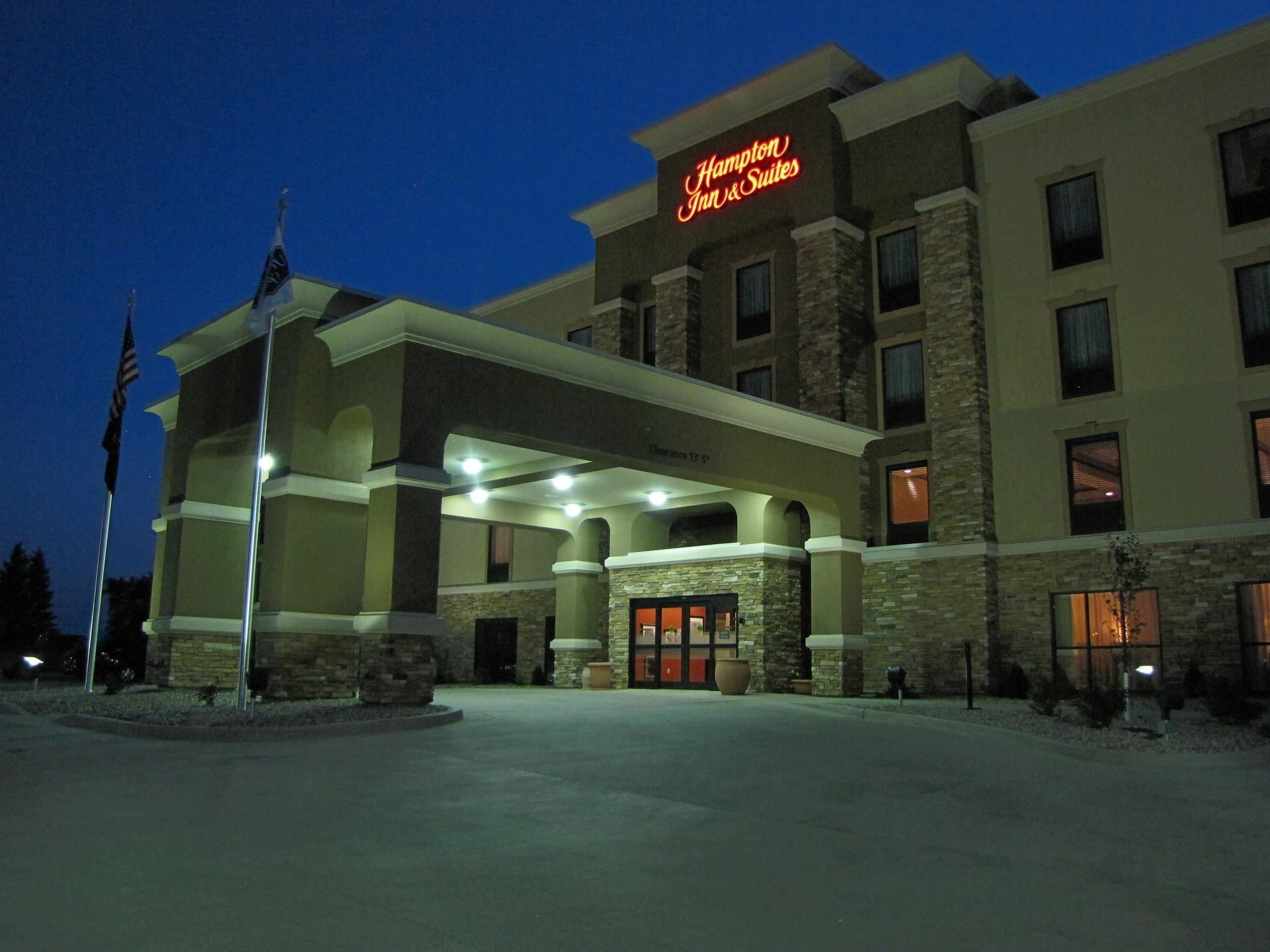 Hampton Inn & Suites Jamestown, ND image 0