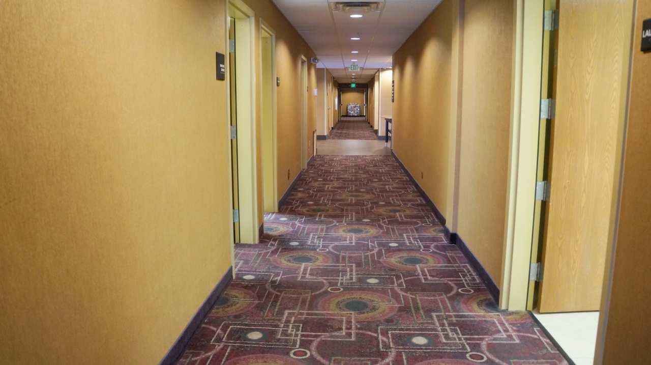 Hampton Inn & Suites Kingman image 32
