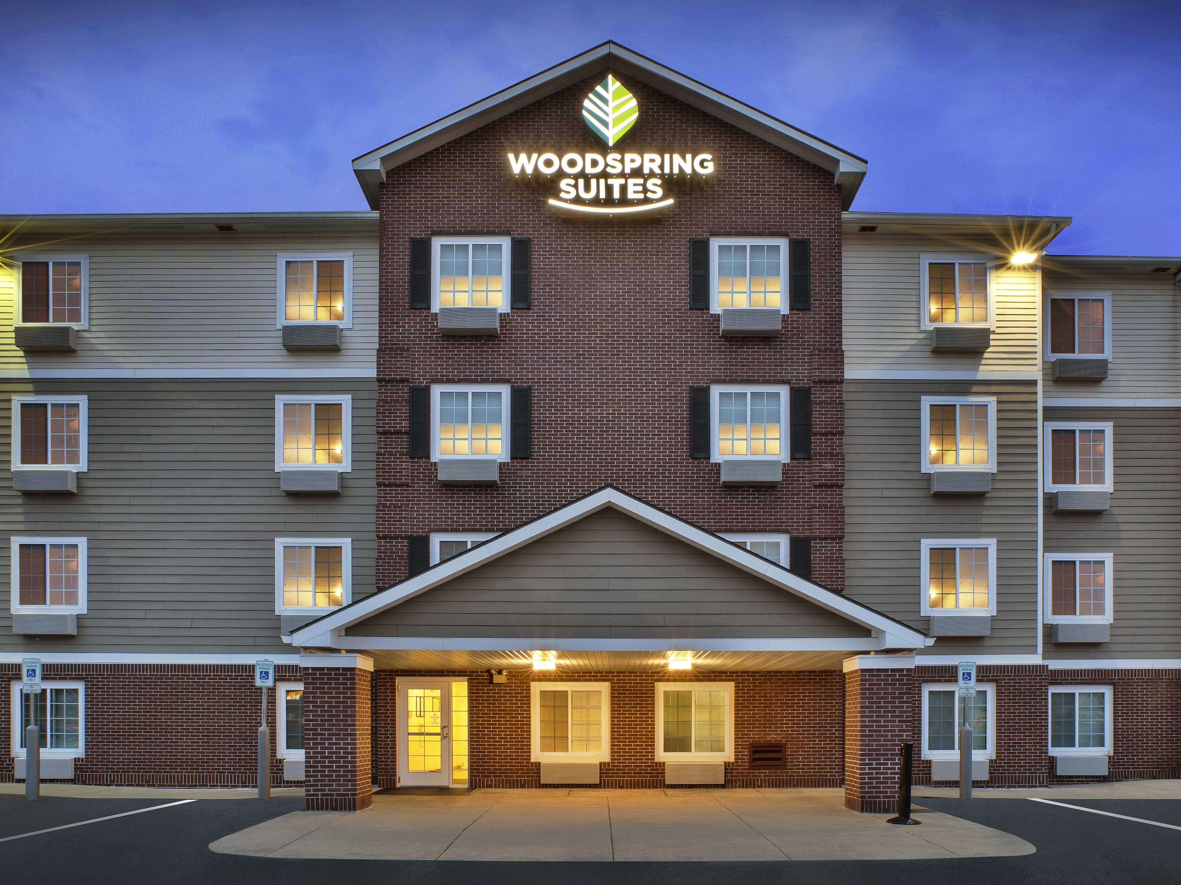 WoodSpring Suites Grand Rapids Holland image 1