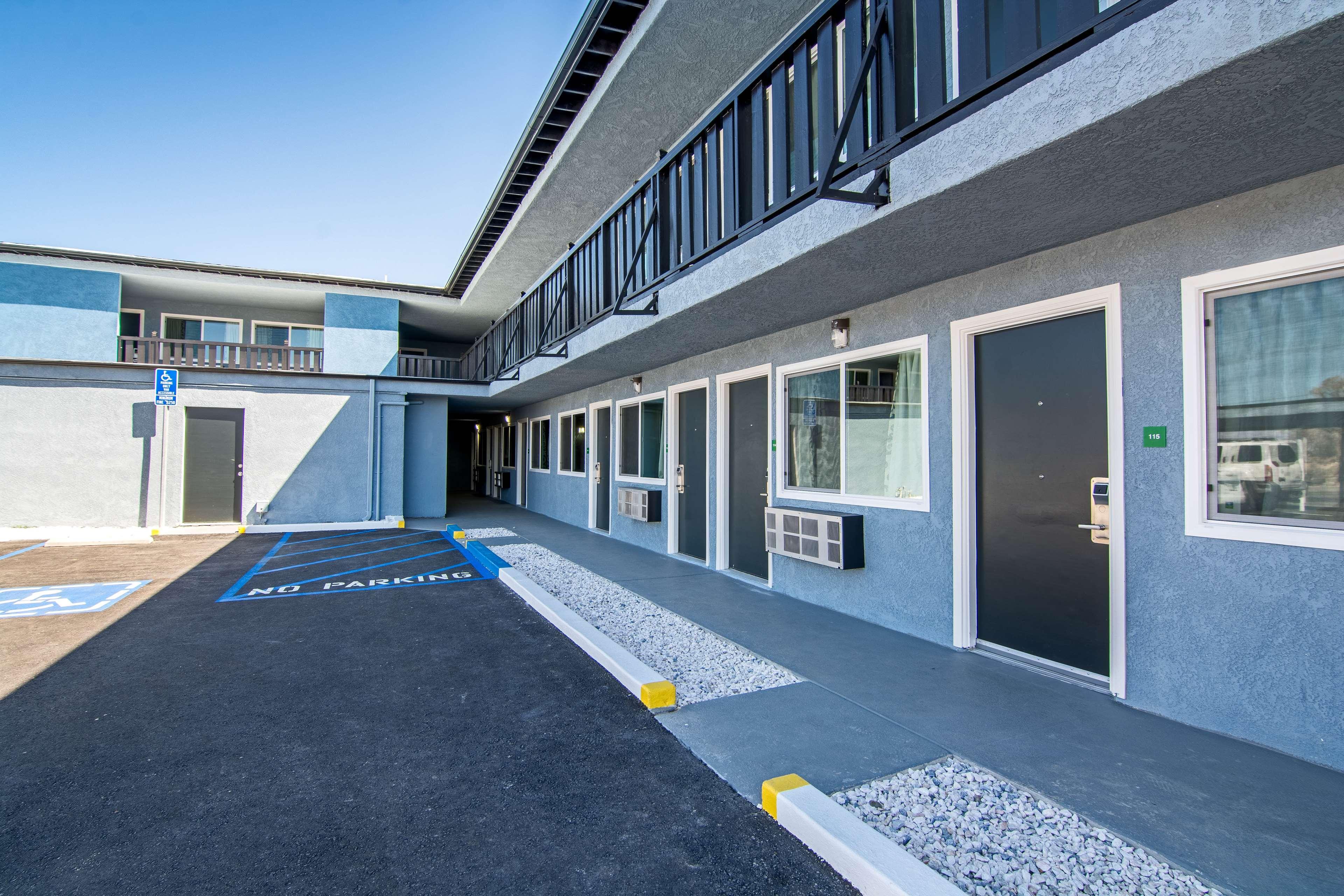 SureStay Hotel by Best Western Ridgecrest image 15