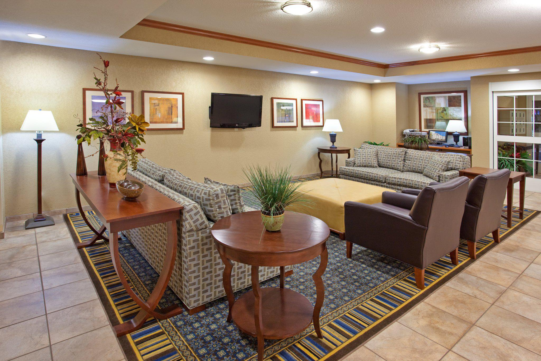 Candlewood Suites Elgin NW-Chicago, an IHG Hotel