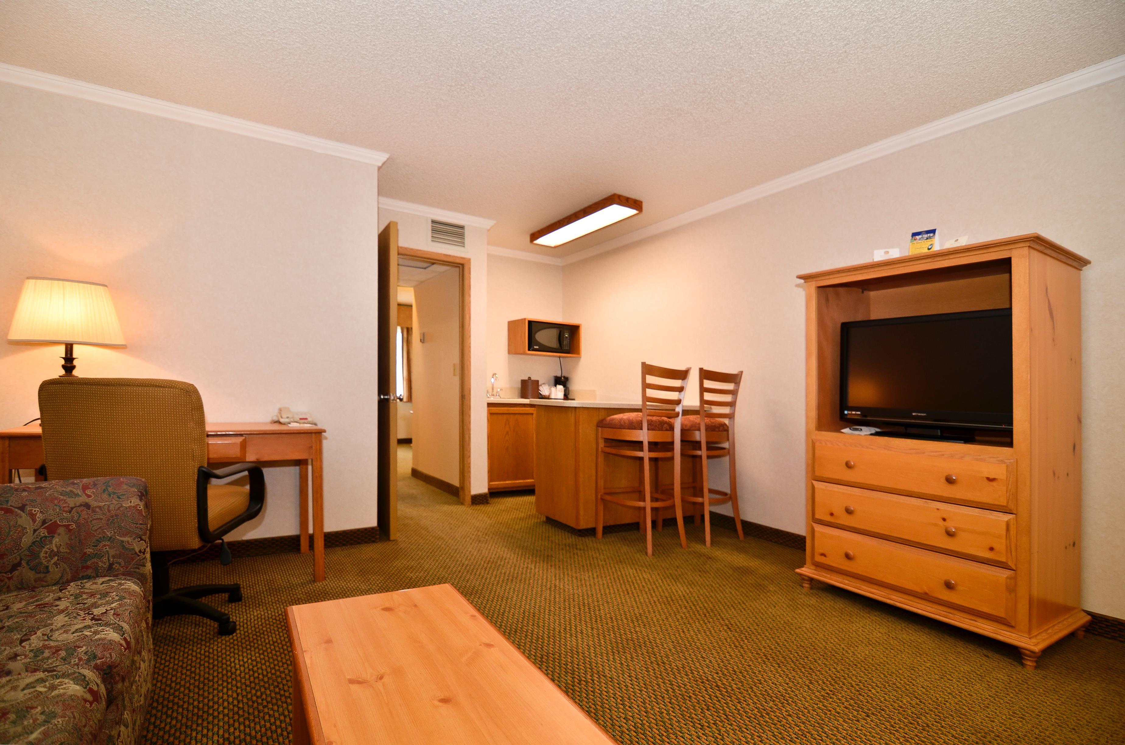 Best Western Inn & Suites image 8