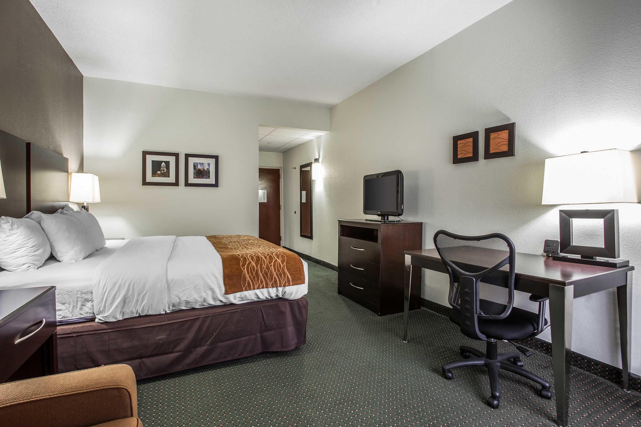 Comfort Inn & Suites Lake Norman image 9