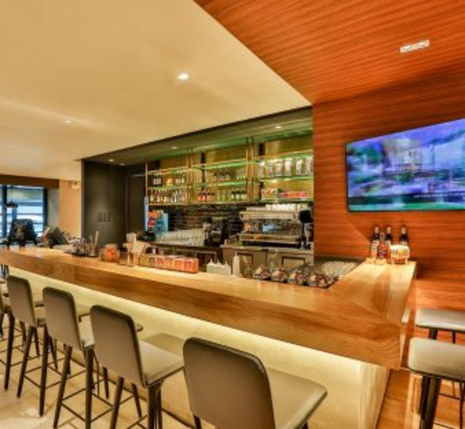 Manila Life Cafe