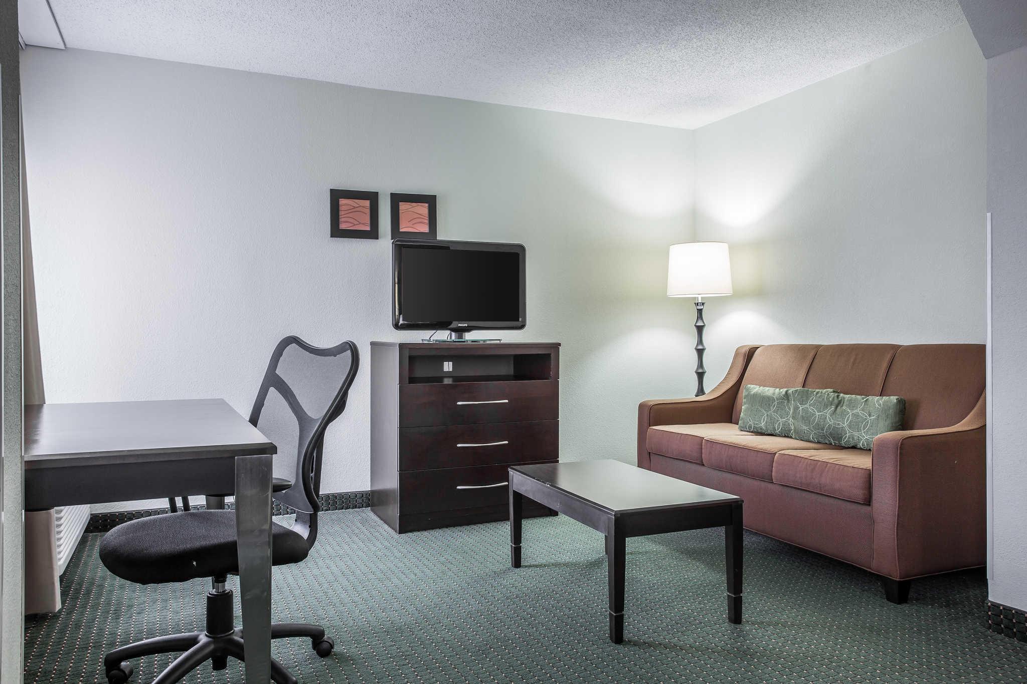 Comfort Inn & Suites Lake Norman image 14