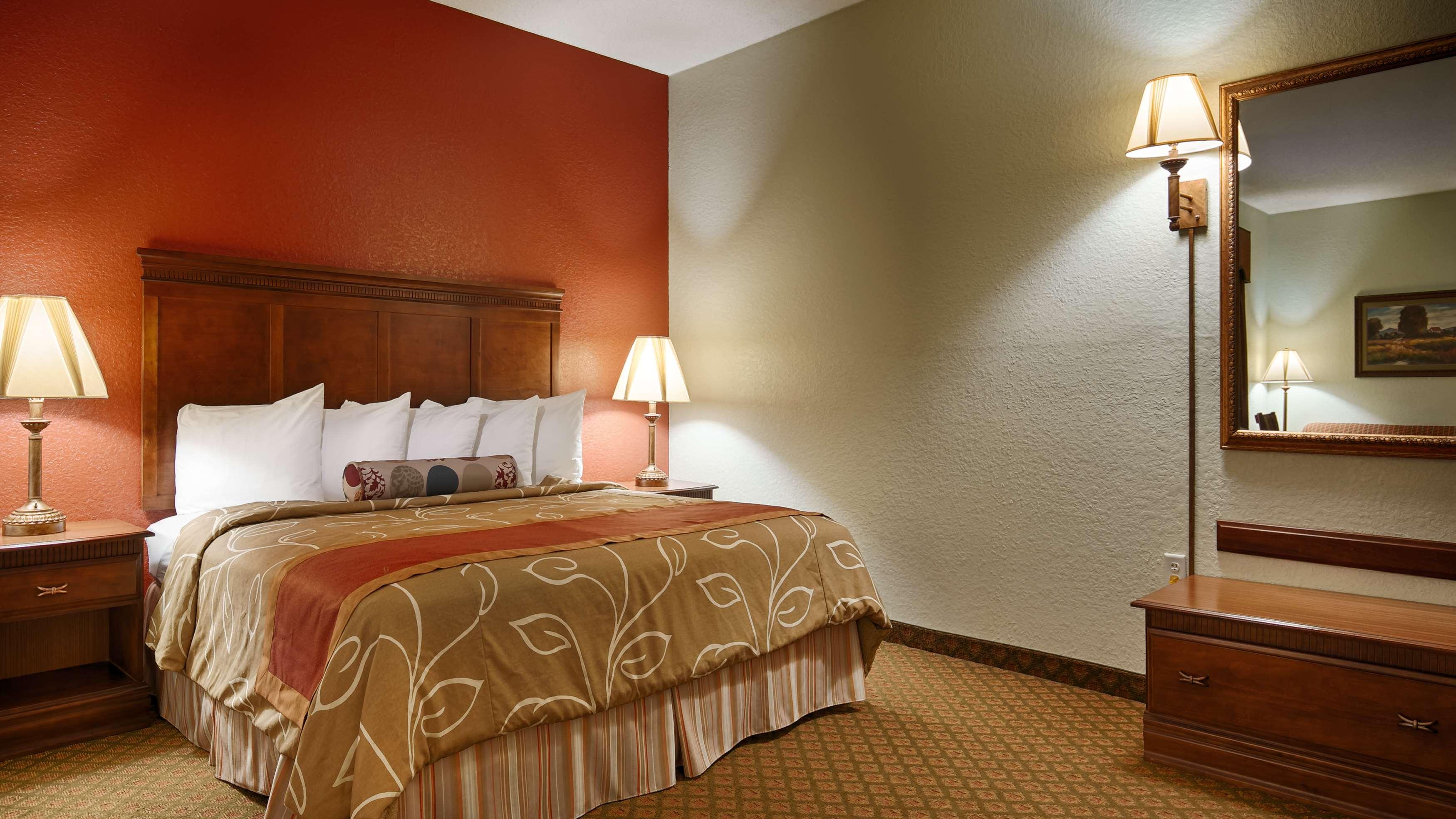 Best Western Plus Bradbury Inn & Suites image 8