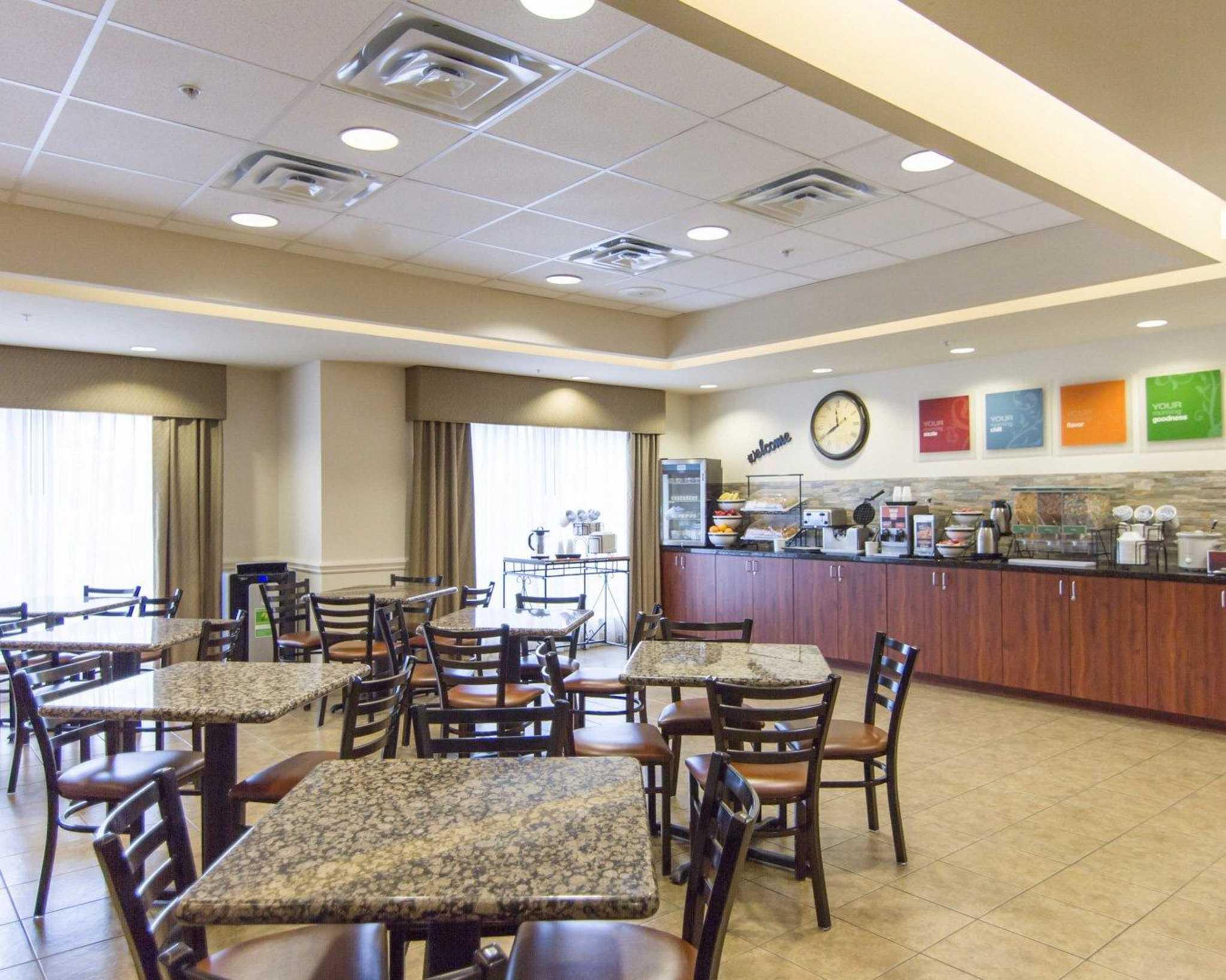 Comfort Inn & Suites Airport image 18