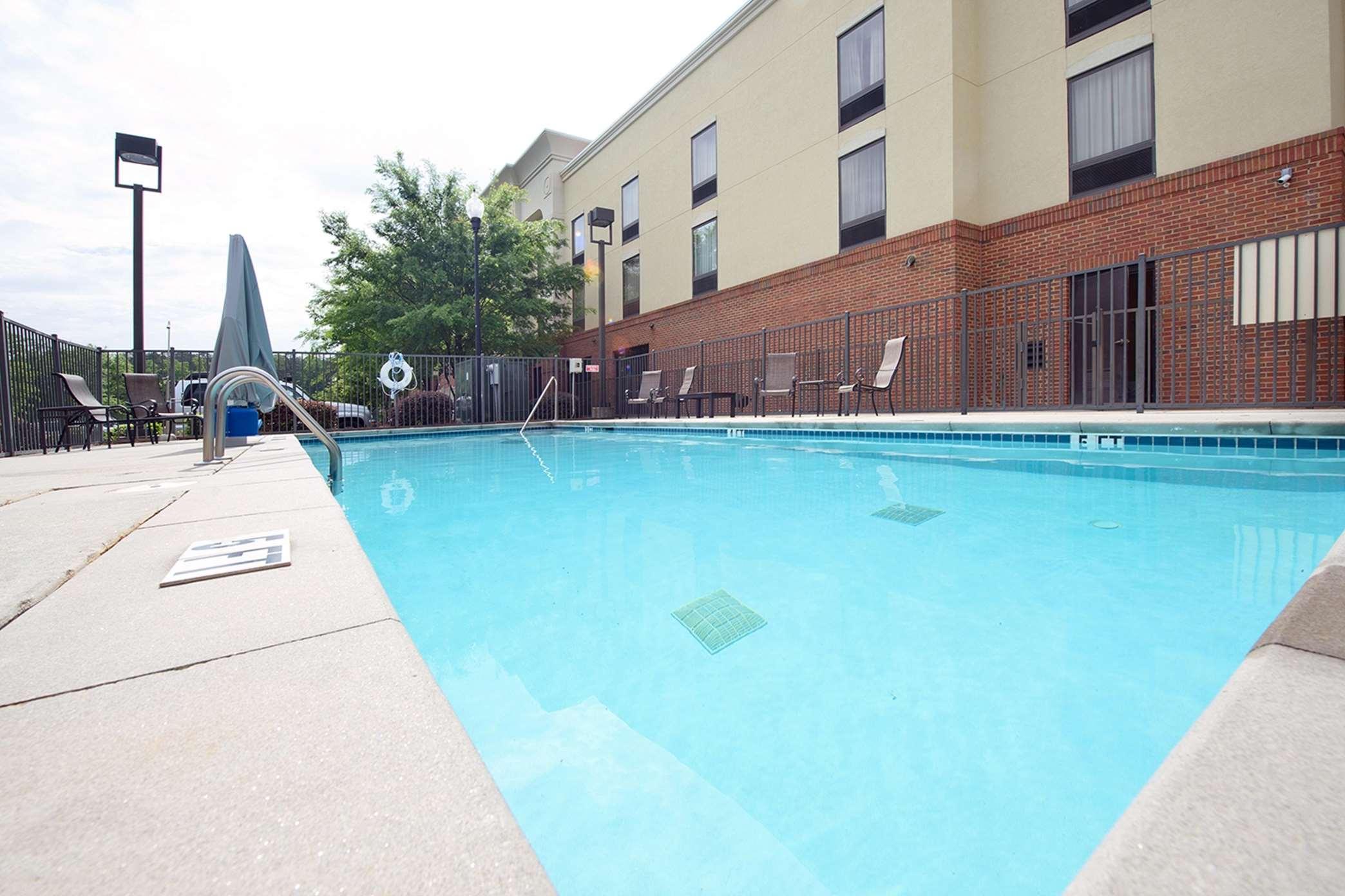 Hampton Inn Atlanta/Fayetteville image 6