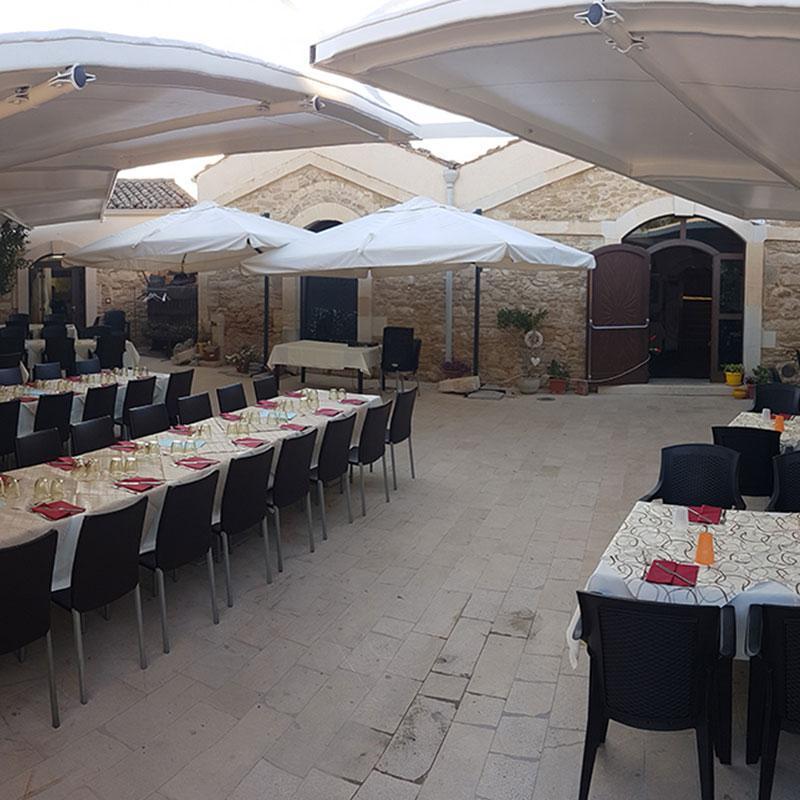 C 39 era una volta ristoranti chiaramonte gulfi italia for Piscina c era una volta castrovillari