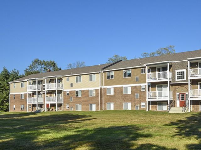 OakTree Apartments image 6