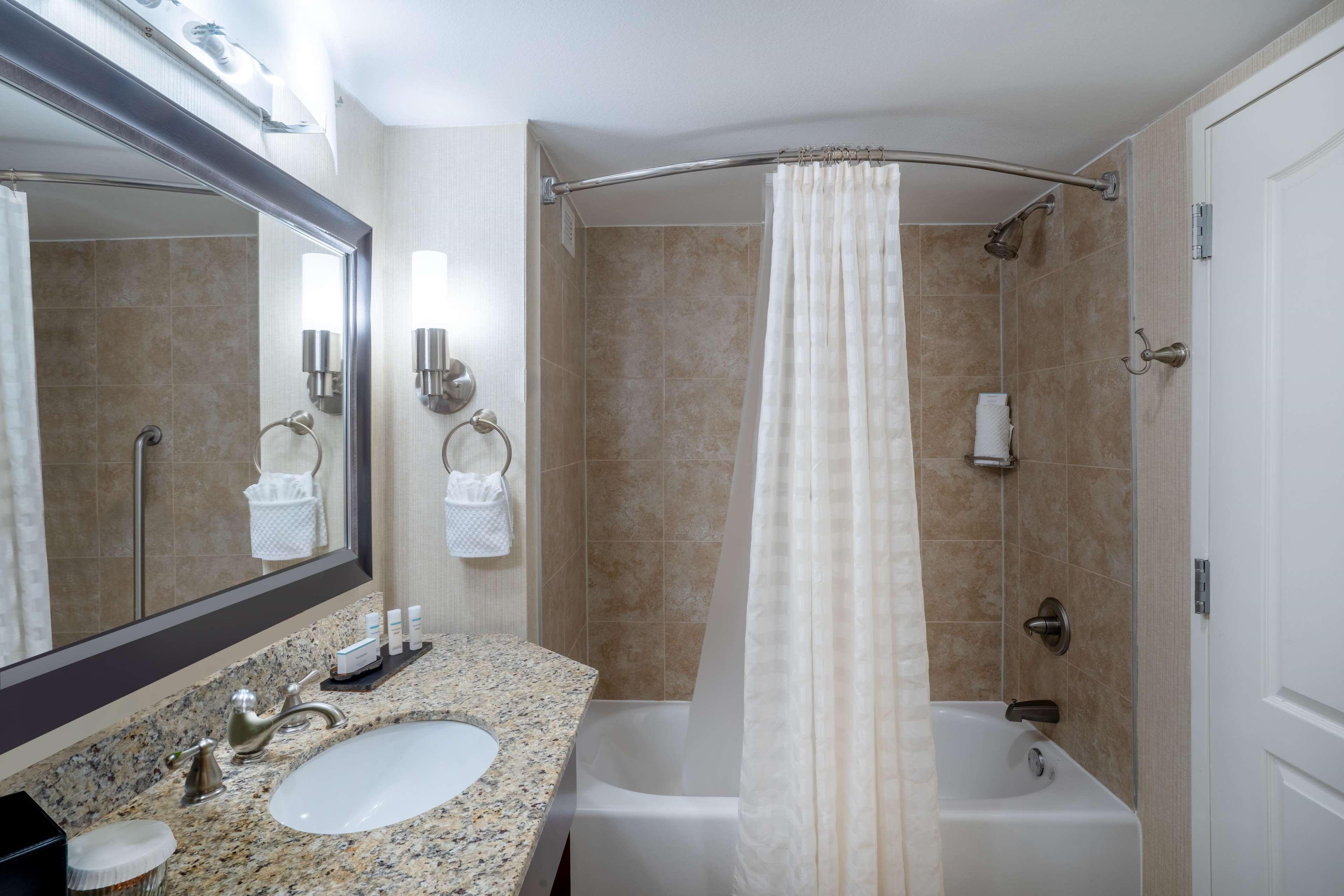 Embassy Suites by Hilton Nashville at Vanderbilt image 48